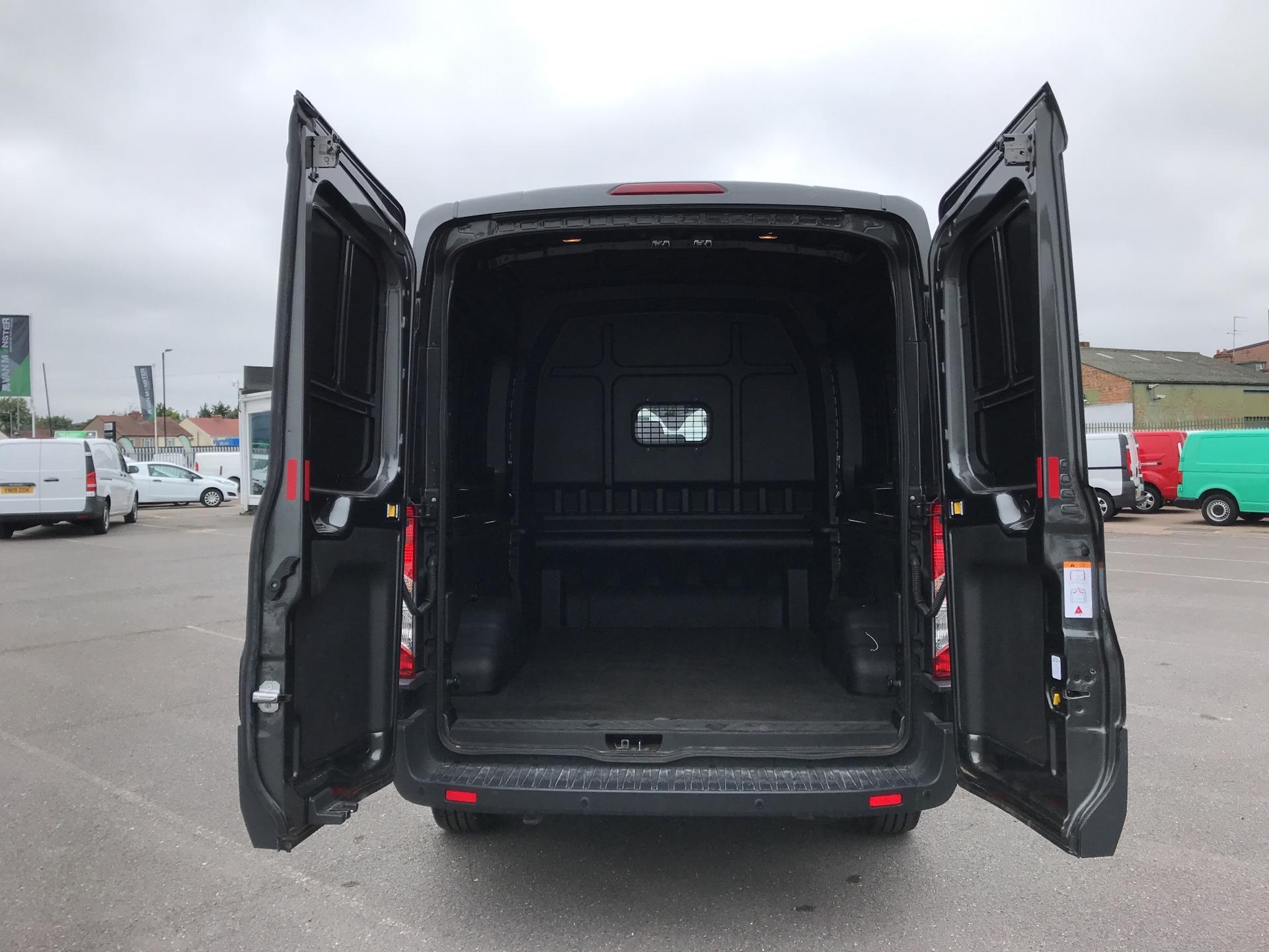 2018 Ford Transit 2.0 Tdci 130Ps H2 D/Cab Van EURO 6 (AO68SXU) Image 17