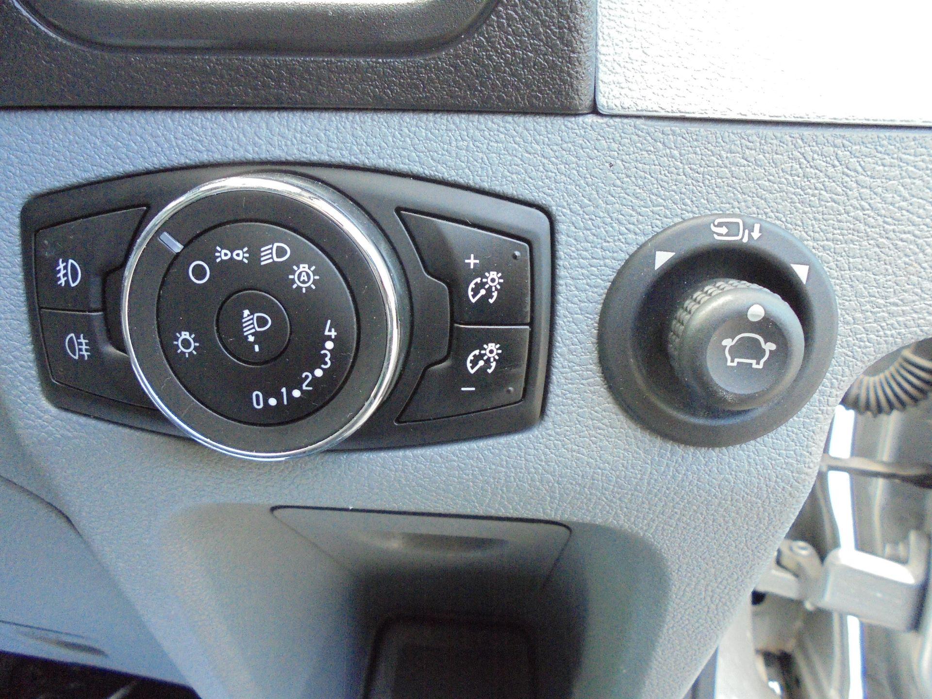 2016 Ford Transit 2.2 Tdci 125Ps H2 Trend Van (AP66FSZ) Image 19