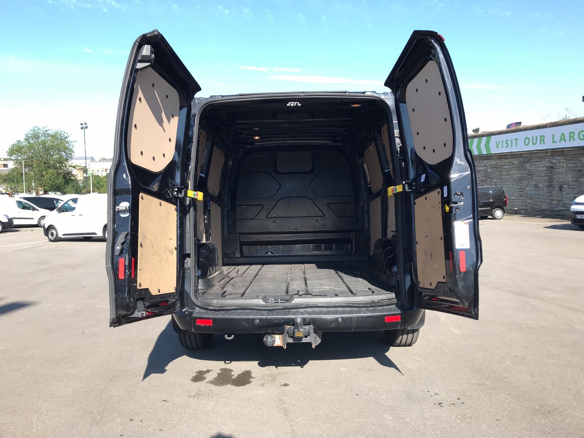2015 Ford Transit Custom 290 L1 DIESEL FWD 2.2 TDCI 125PS LOW ROOF LIMITED VAN EURO 5 (AV65VAA) Image 16