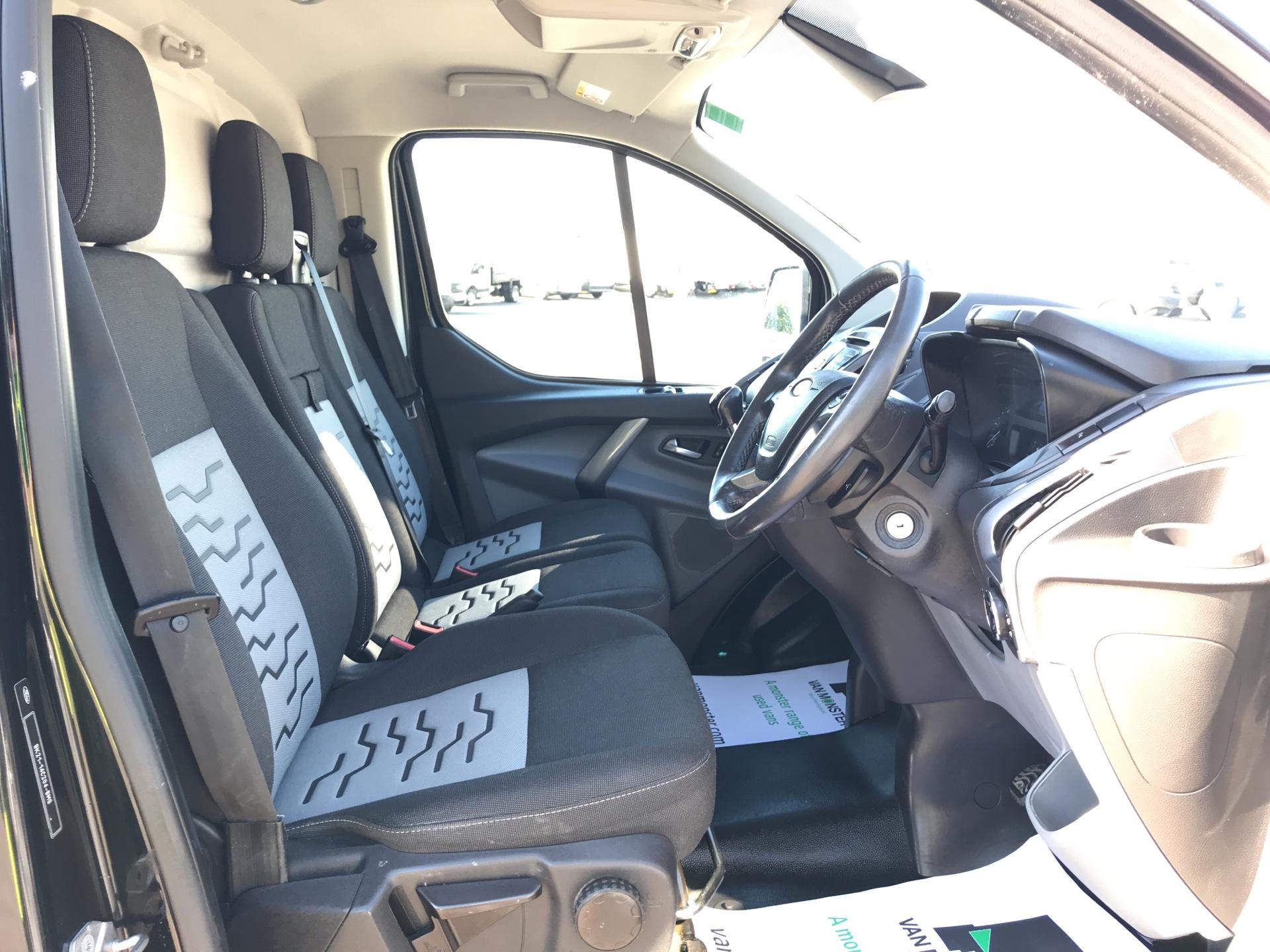 2015 Ford Transit Custom 290 L1 DIESEL FWD 2.2 TDCI 125PS LOW ROOF LIMITED VAN EURO 5 (AV65VAA) Image 9