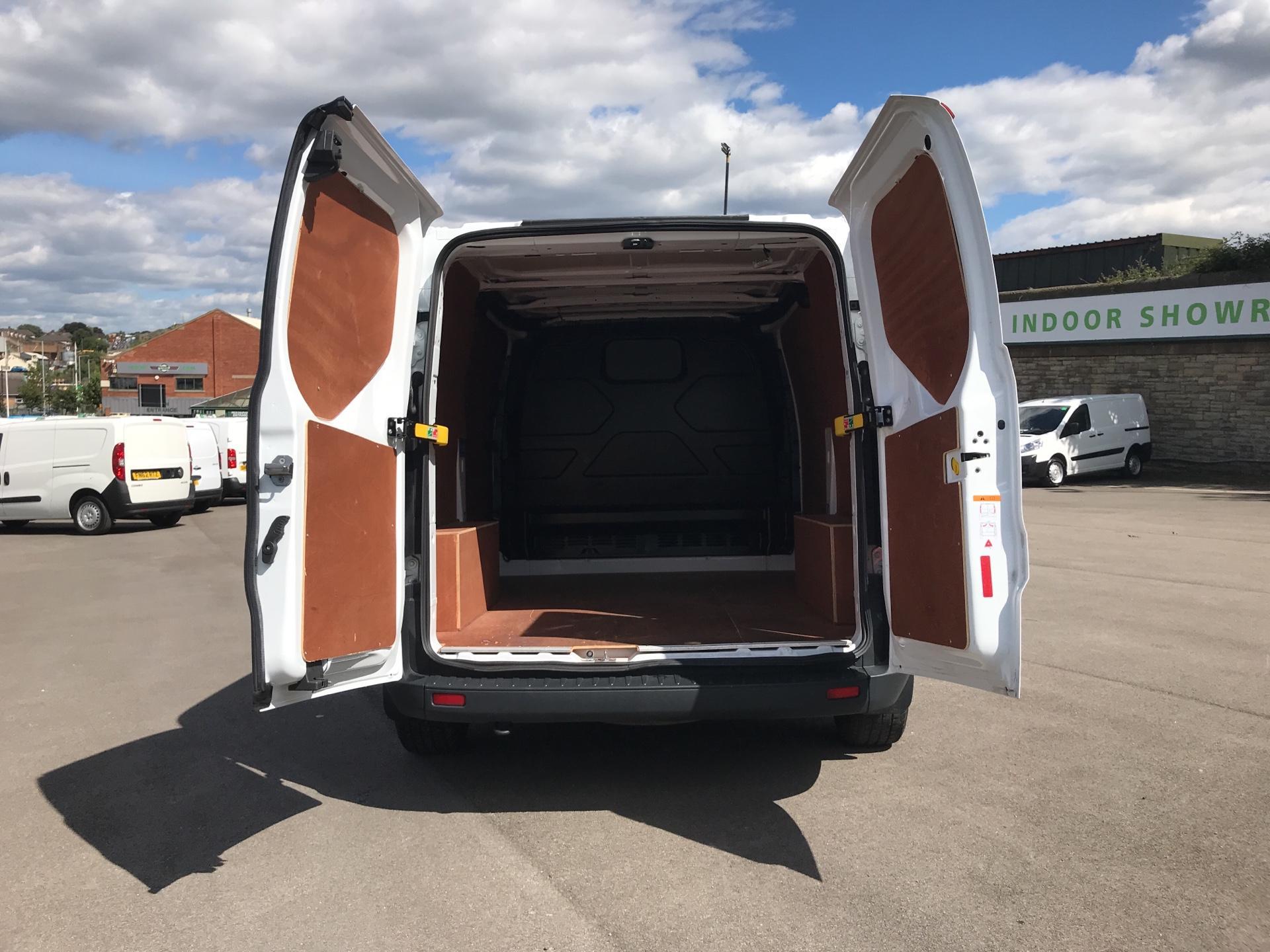 2016 Ford Transit Custom 2.0 TDCI 105PS L1 H1 VAN EURO 6  (AV66NUX) Image 15