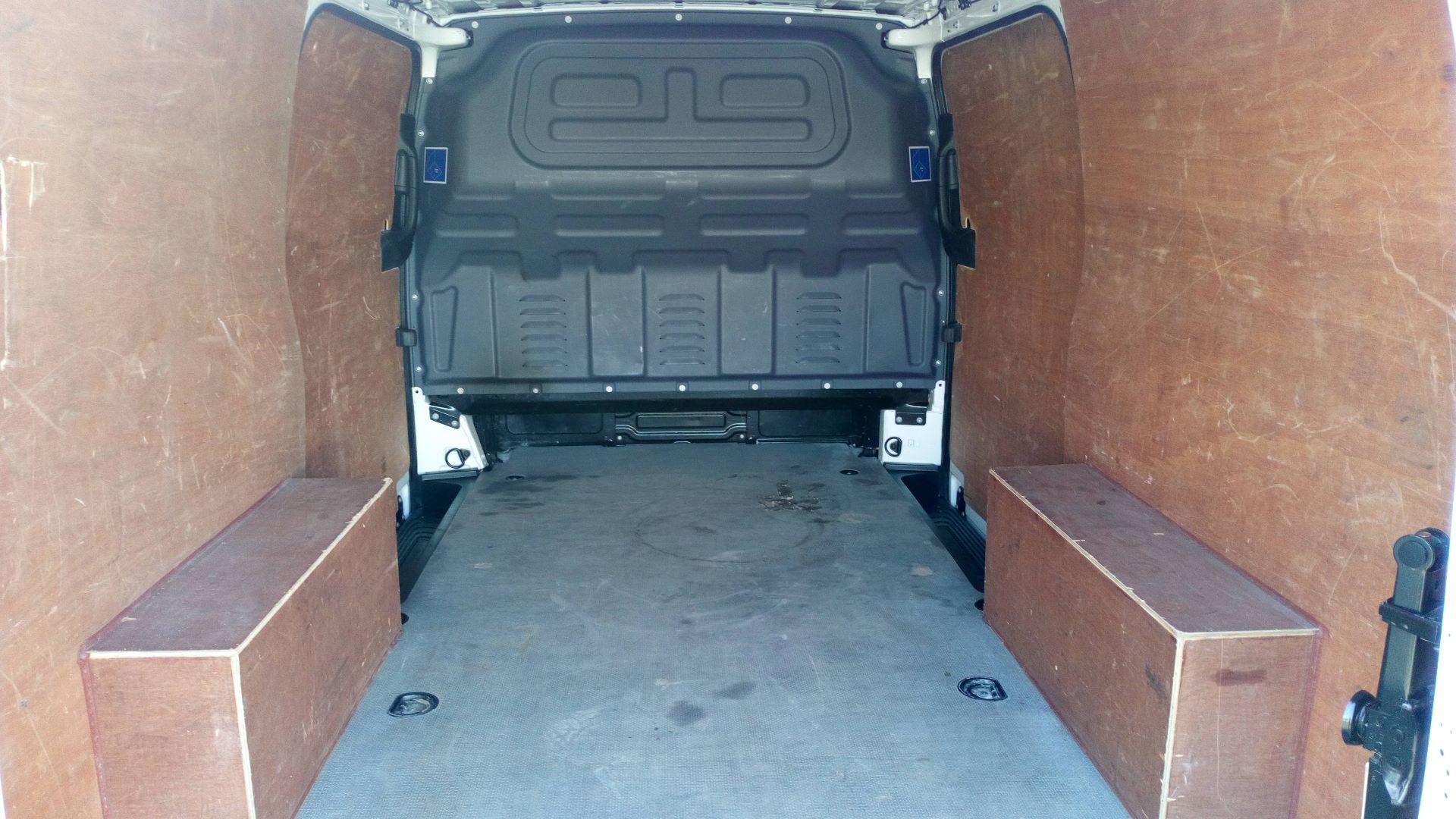 2016 Mercedes-Benz Vito 111Cdi Van (AY66OVJ) Image 8