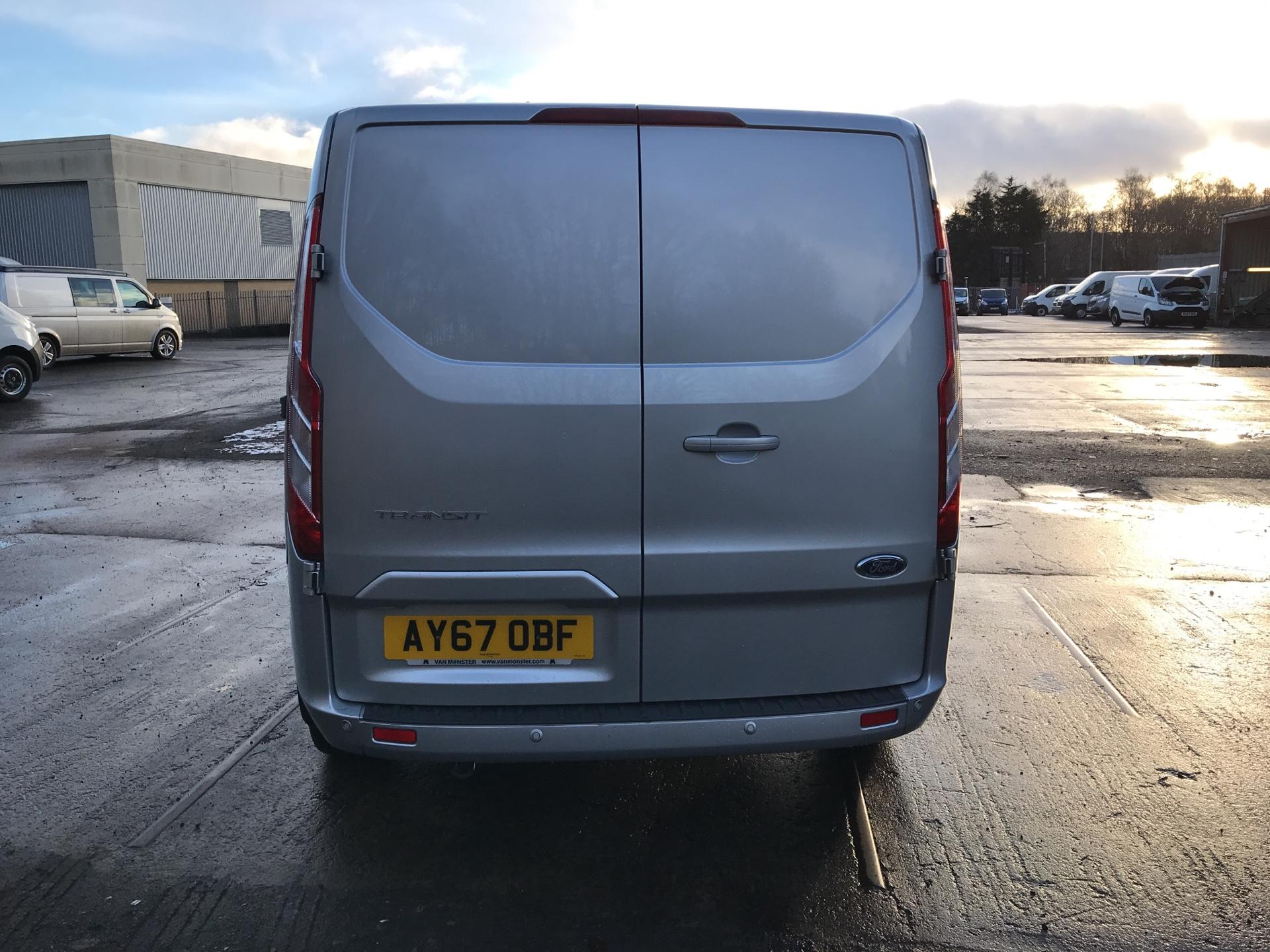 2017 Ford Transit Custom  290 L1 DIESEL FWD 2.0 TDCI 130 PS LOW ROOF LIMITED VAN EURO 6 (AY67OBF) Image 4