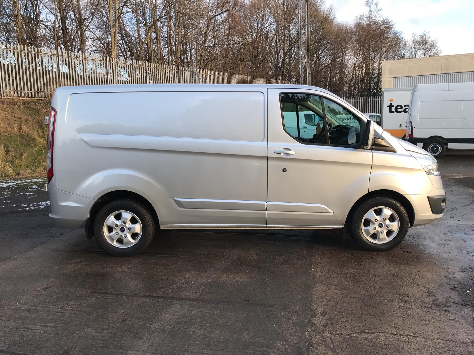 2017 Ford Transit Custom  290 L1 DIESEL FWD 2.0 TDCI 130 PS LOW ROOF LIMITED VAN EURO 6 (AY67OBF) Image 2