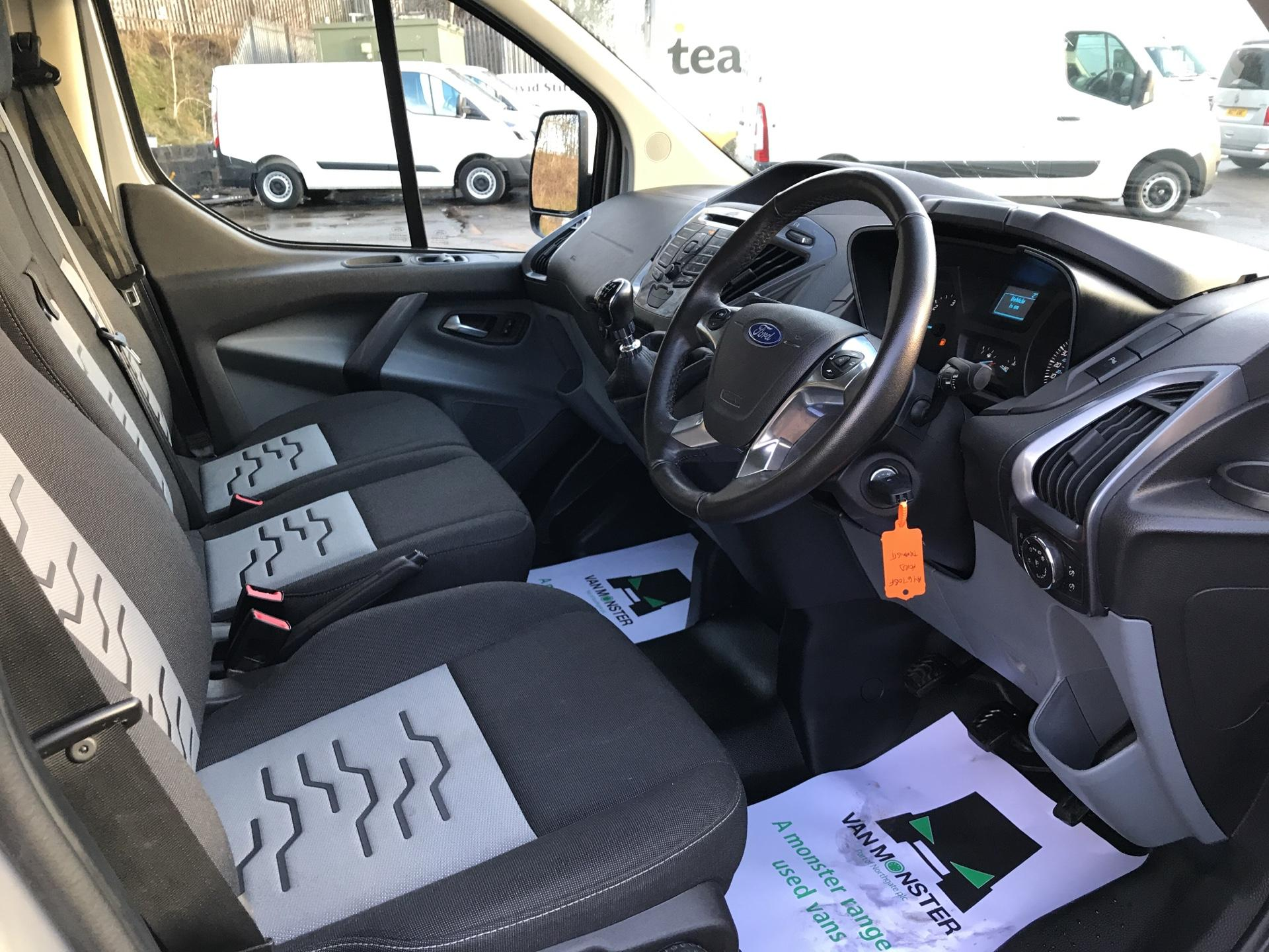 2017 Ford Transit Custom  290 L1 DIESEL FWD 2.0 TDCI 130 PS LOW ROOF LIMITED VAN EURO 6 (AY67OBF) Image 9