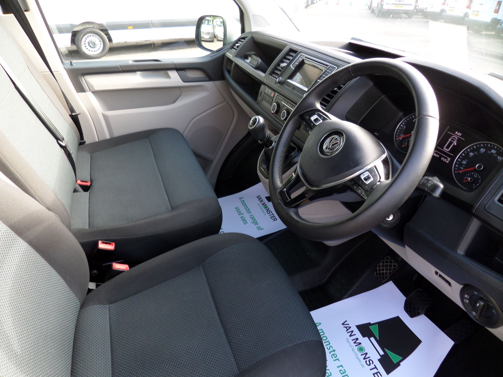 2018 Volkswagen Transporter 2.0 Tdi Bmt 150 Highline Van Euro 6 (BA18NDF) Image 2