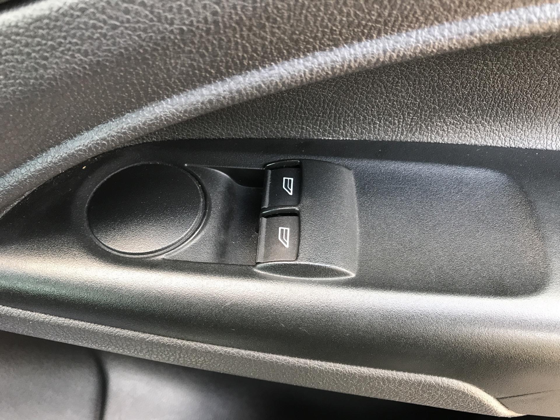 2017 Ford Transit Connect 1.5 Tdci 100Ps Van EURO 6 (BA66CZU) Image 18