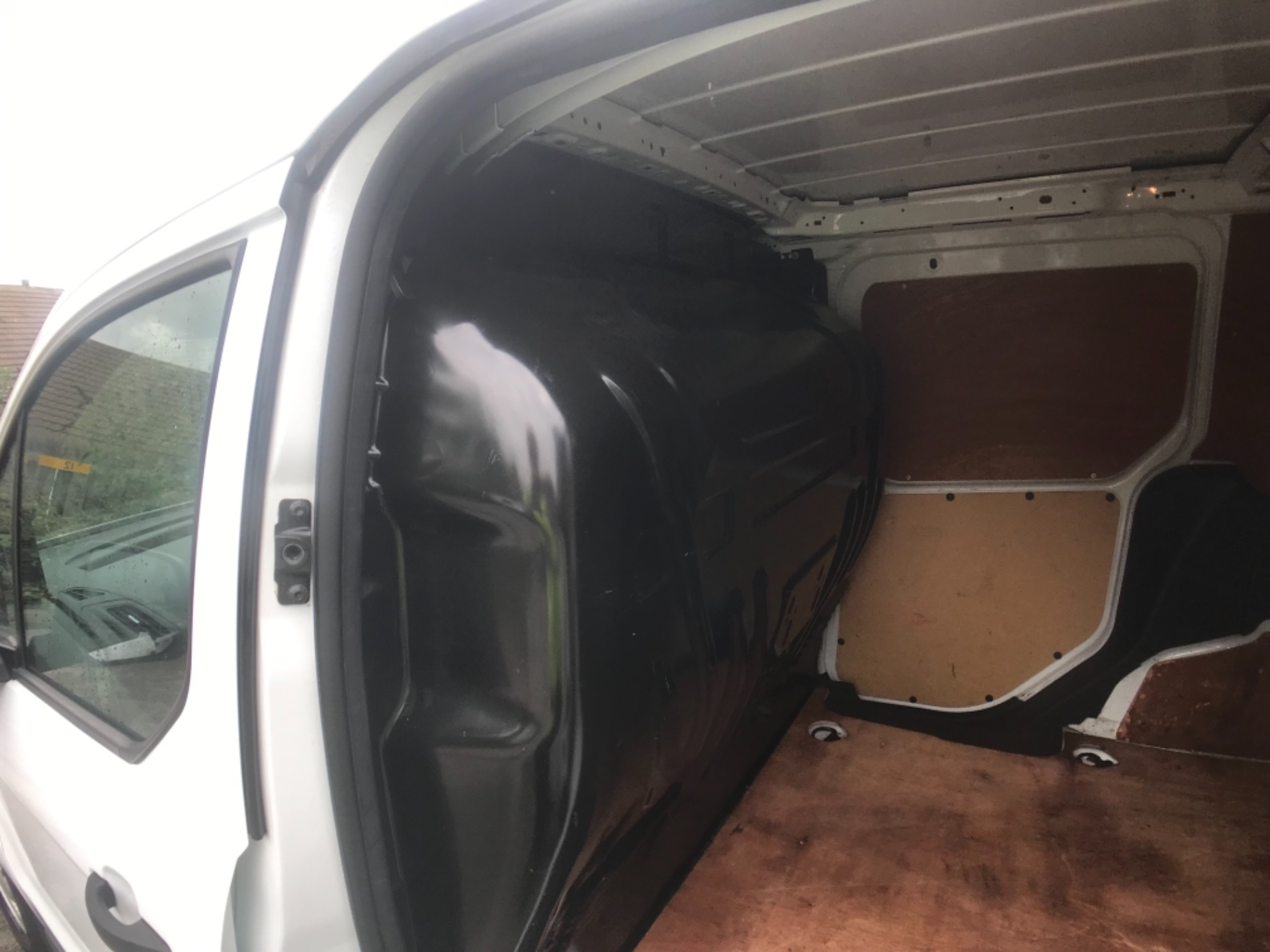 2016 Ford Transit Connect  200 L1 Diesel 1.6 TDCi 75PS Van EURO 5 (BC16BZX) Image 12