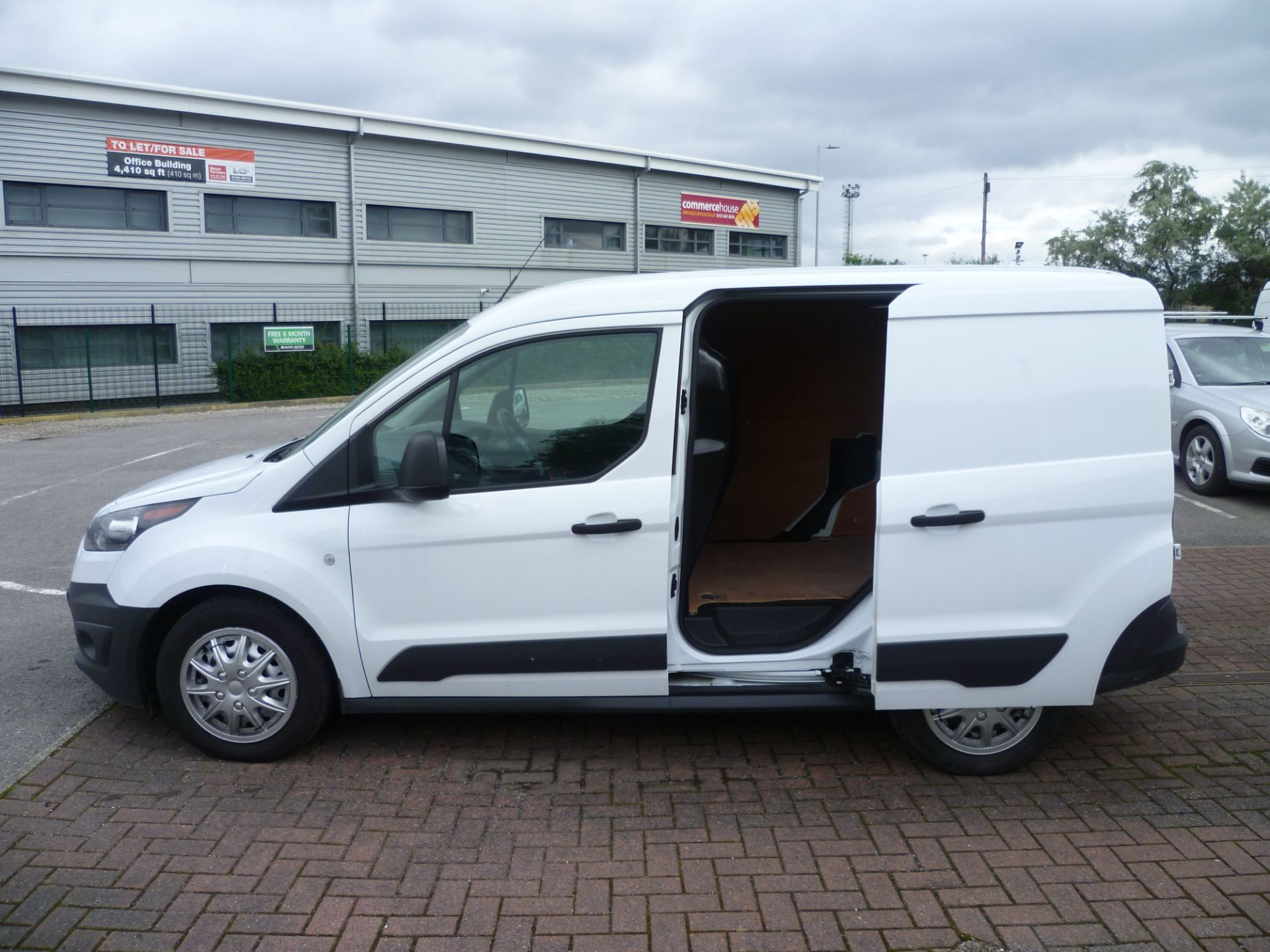 2017 Ford Transit Connect T200 L1 H1 1.5TDCI 75PS EURO 6 (BC17ZPF) Image 10