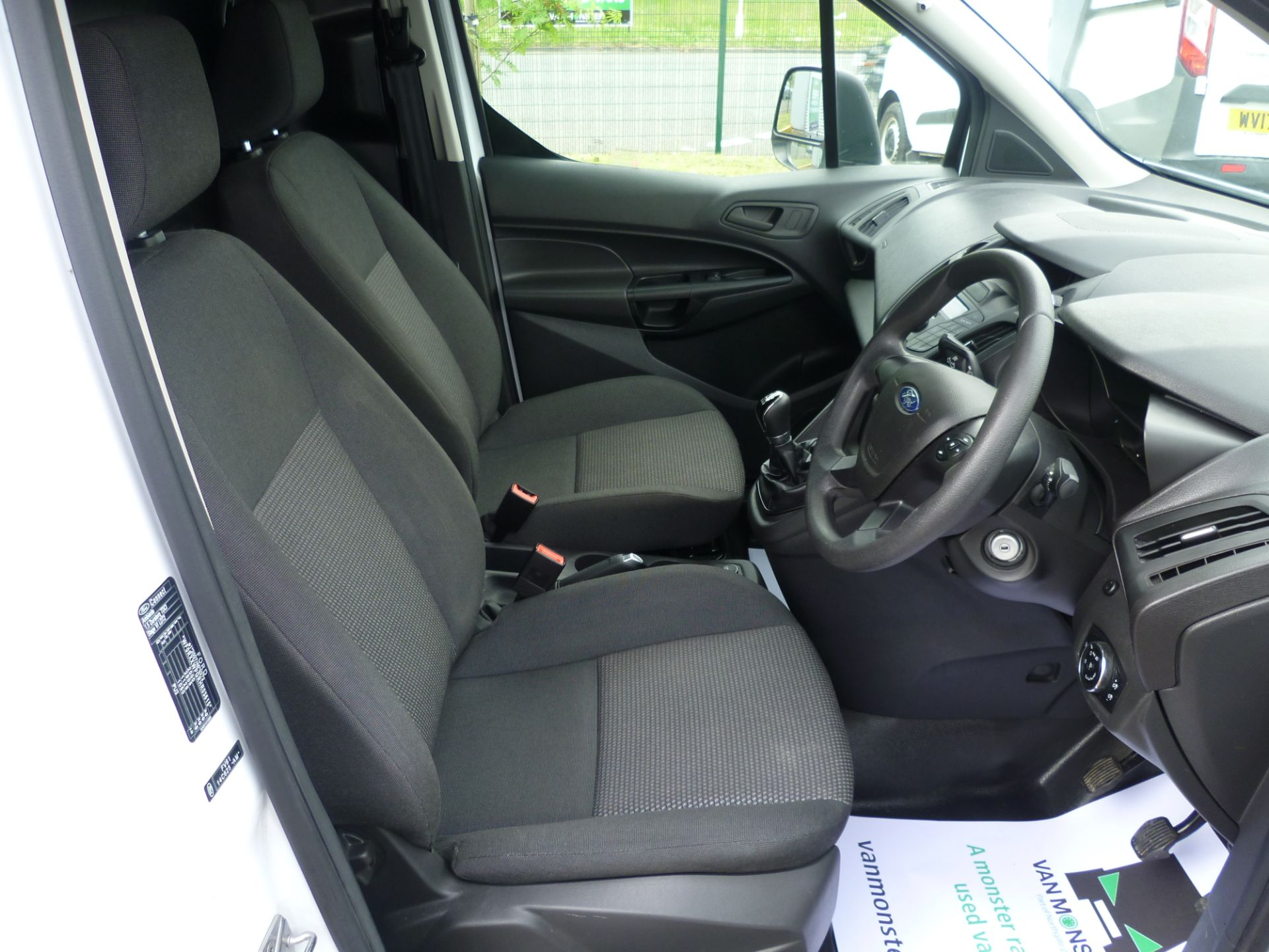 2017 Ford Transit Connect T200 L1 H1 1.5TDCI 75PS EURO 6 (BC17ZPF) Image 18