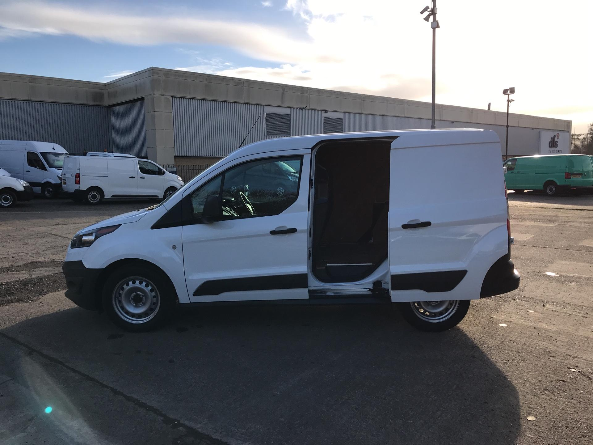 2017 Ford Transit Connect  220 L1 Diesel 1.5 TDCi 100PS Van EURO 6 (BC66WSZ) Image 18