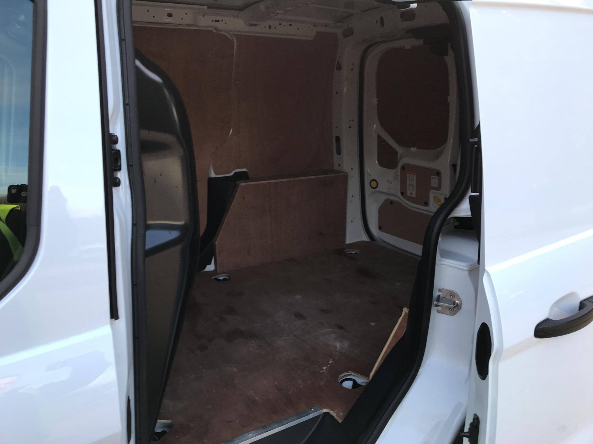 2017 Ford Transit Connect  220 L1 Diesel 1.5 TDCi 100PS Van EURO 6 (BC66WSZ) Image 19