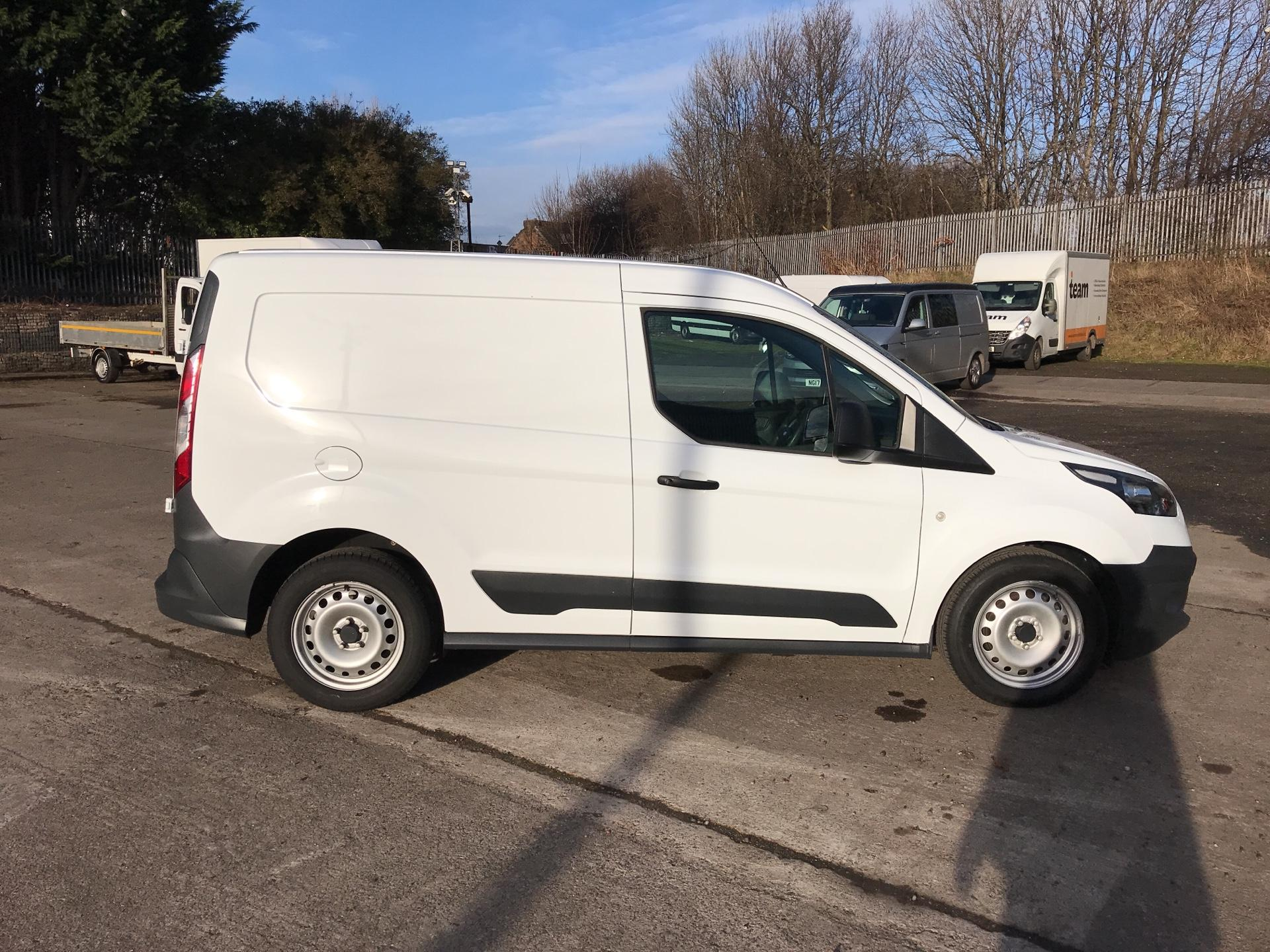 2017 Ford Transit Connect  220 L1 Diesel 1.5 TDCi 100PS Van EURO 6 (BC66WSZ) Image 2