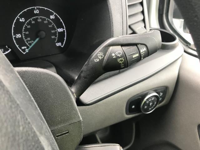 2018 Ford Transit Custom 300 L1 DIESEL FWD 2.0 TDCI 105PS LOW ROOF VAN EURO 6 (BD18ERJ) Image 27