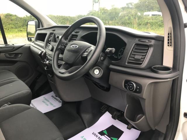 2018 Ford Transit Custom 300 L1 DIESEL FWD 2.0 TDCI 105PS LOW ROOF VAN EURO 6 (BD18ERJ) Image 18
