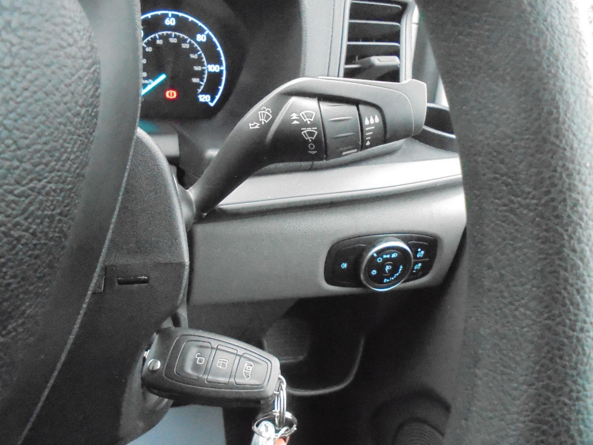 2018 Ford Transit Custom 300 L1 FWD 2.0 TDCI 105PS LOW ROOF EURO 6 (BD18EUA) Image 21