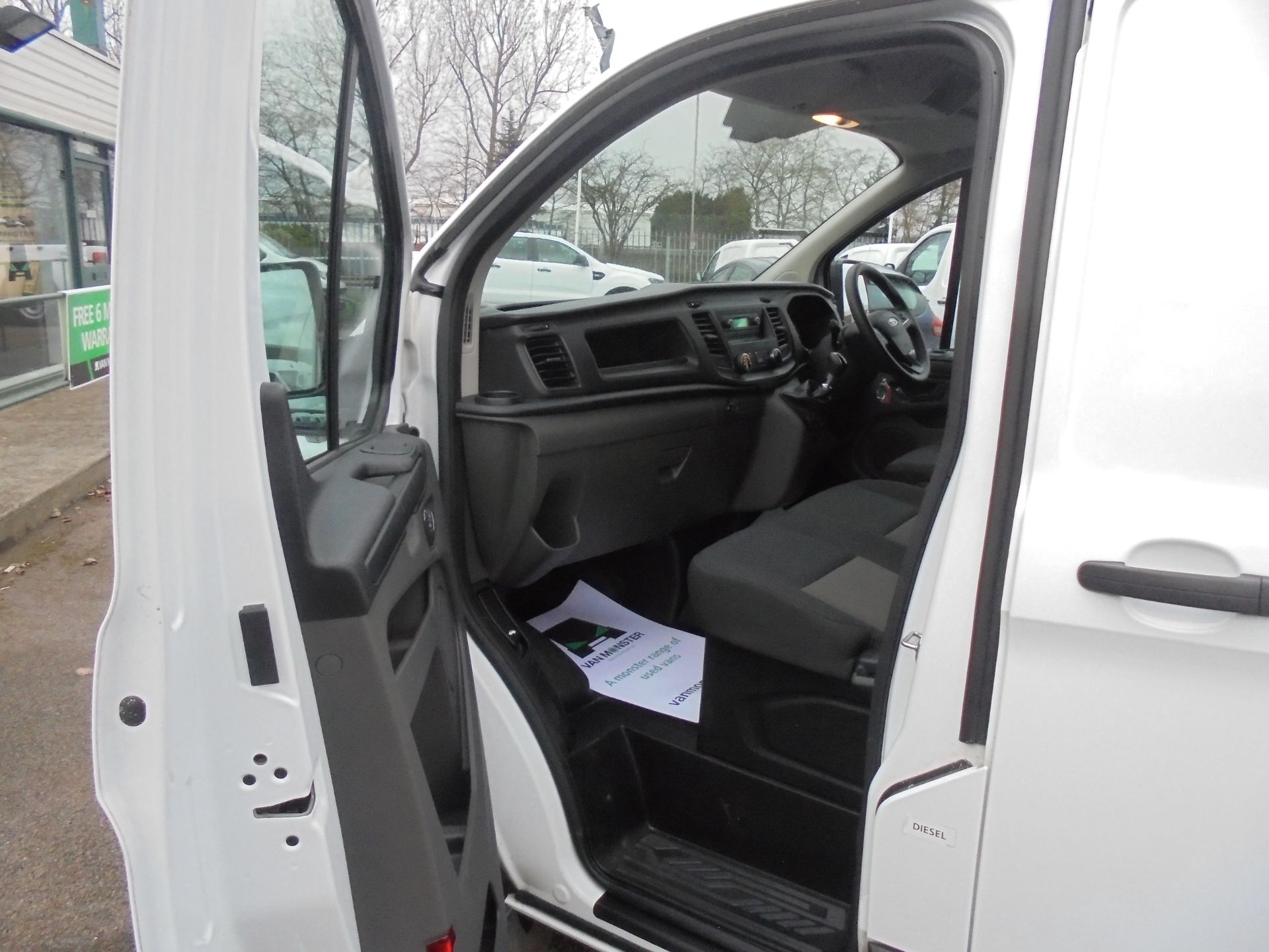 2018 Ford Transit Custom 300 L1 FWD 2.0 TDCI 105PS LOW ROOF EURO 6 (BD18EUA) Image 12