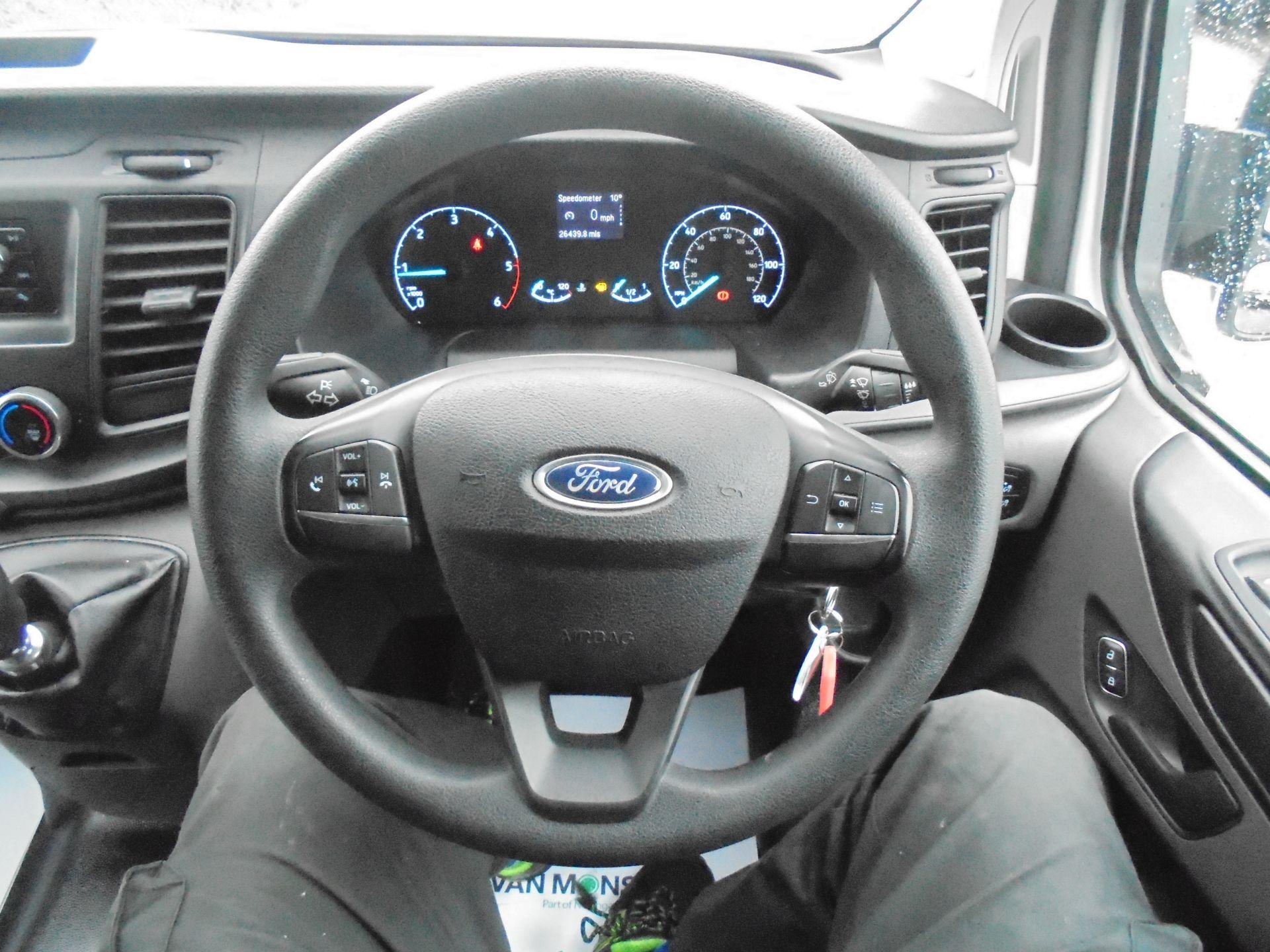 2018 Ford Transit Custom 300 L1 FWD 2.0 TDCI 105PS LOW ROOF EURO 6 (BD18EUA) Image 15
