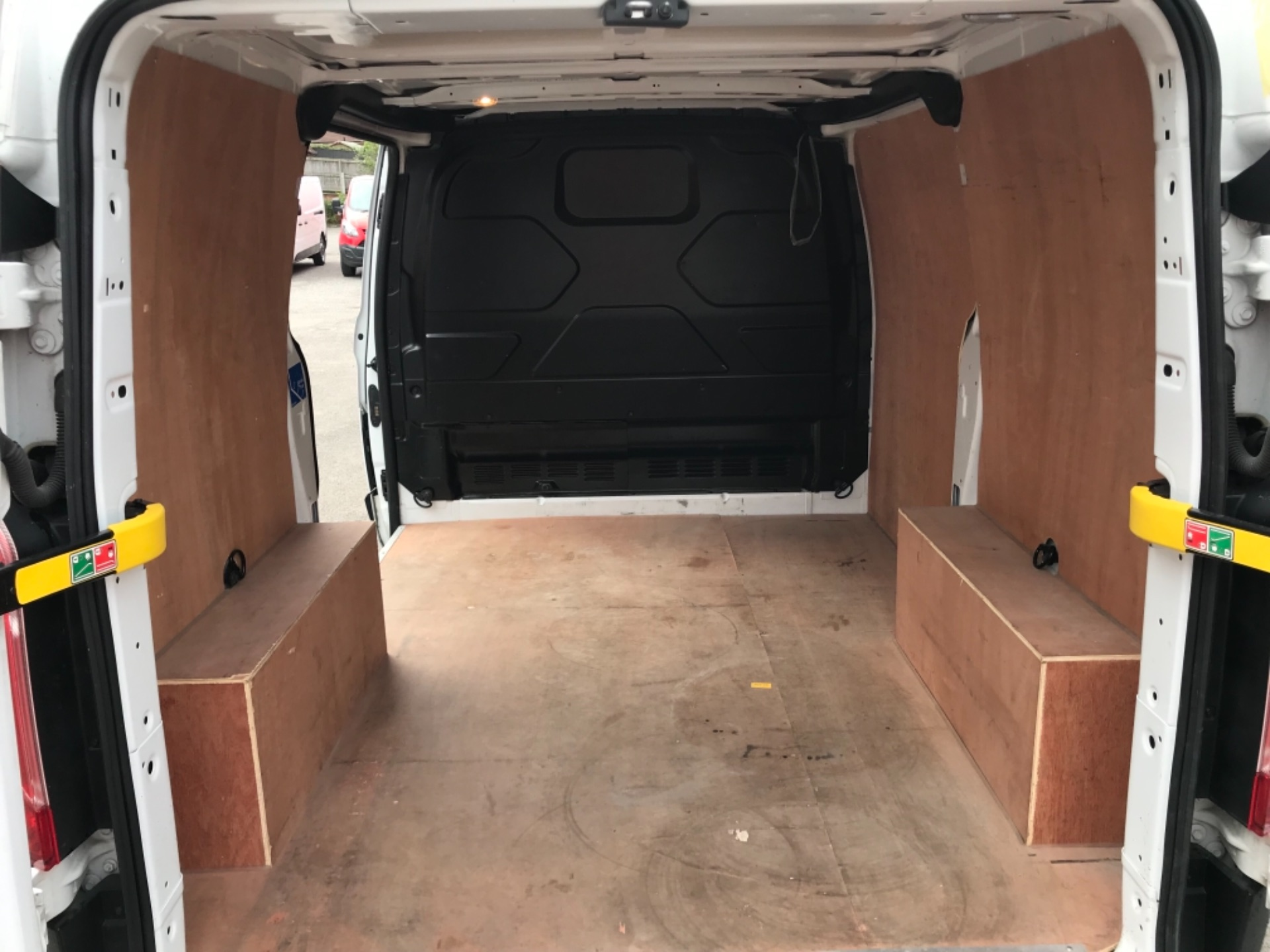 2018 Ford Transit Custom 2.0 Tdci 105Ps Low Roof Van Euro 6 (BD18FBN) Image 11