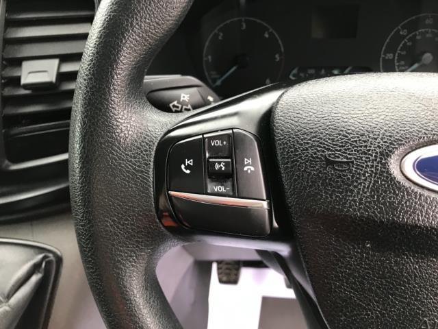 2018 Ford Transit Custom 2.0 Tdci 105Ps Low Roof Van Euro 6 (BD18ZVJ) Image 18