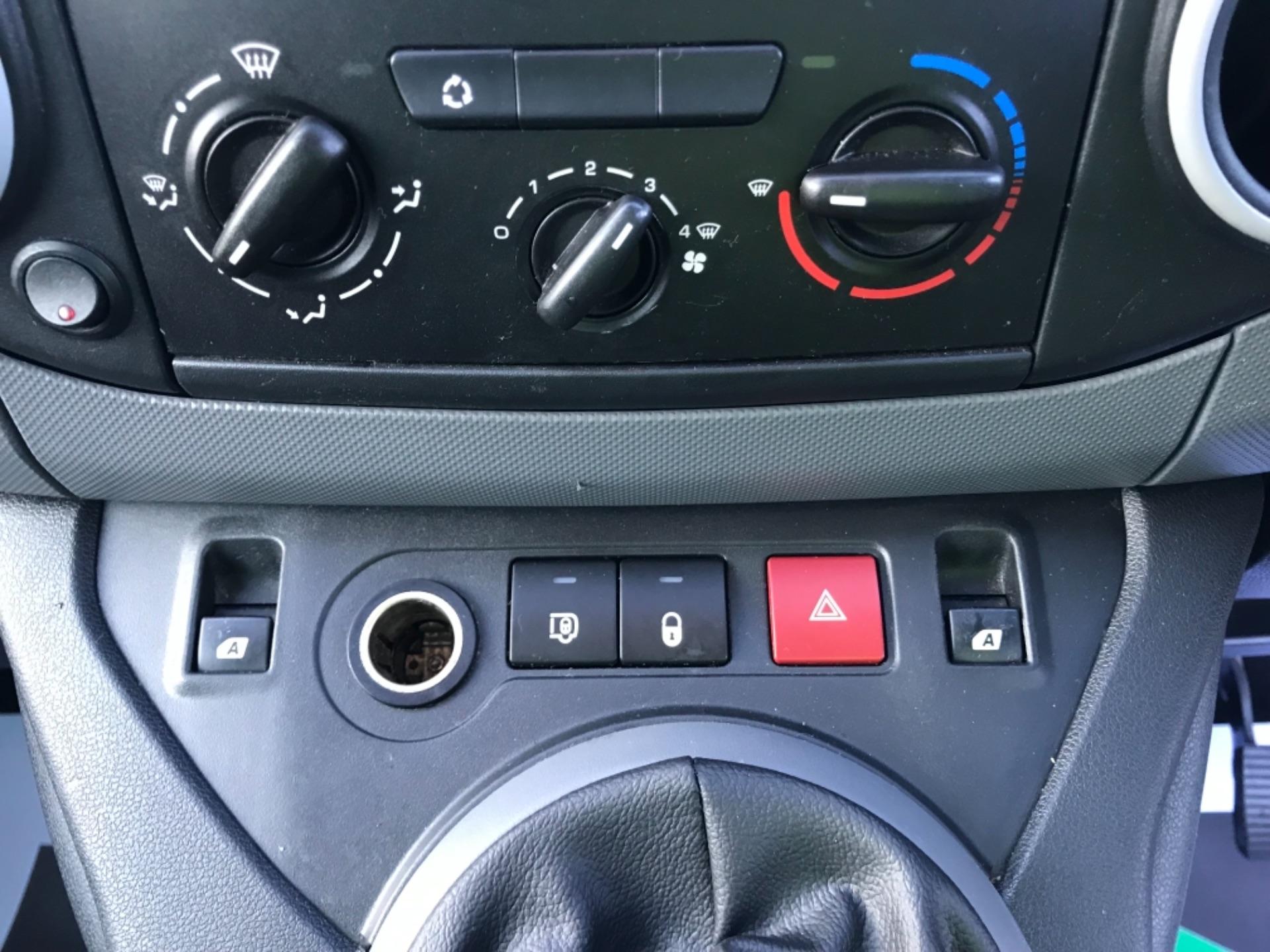 2014 Citroen Berlingo L1 Diesel 1.6 HDI 850 X 90PS [SLD] EURO 5 (BD64SUY) Image 13