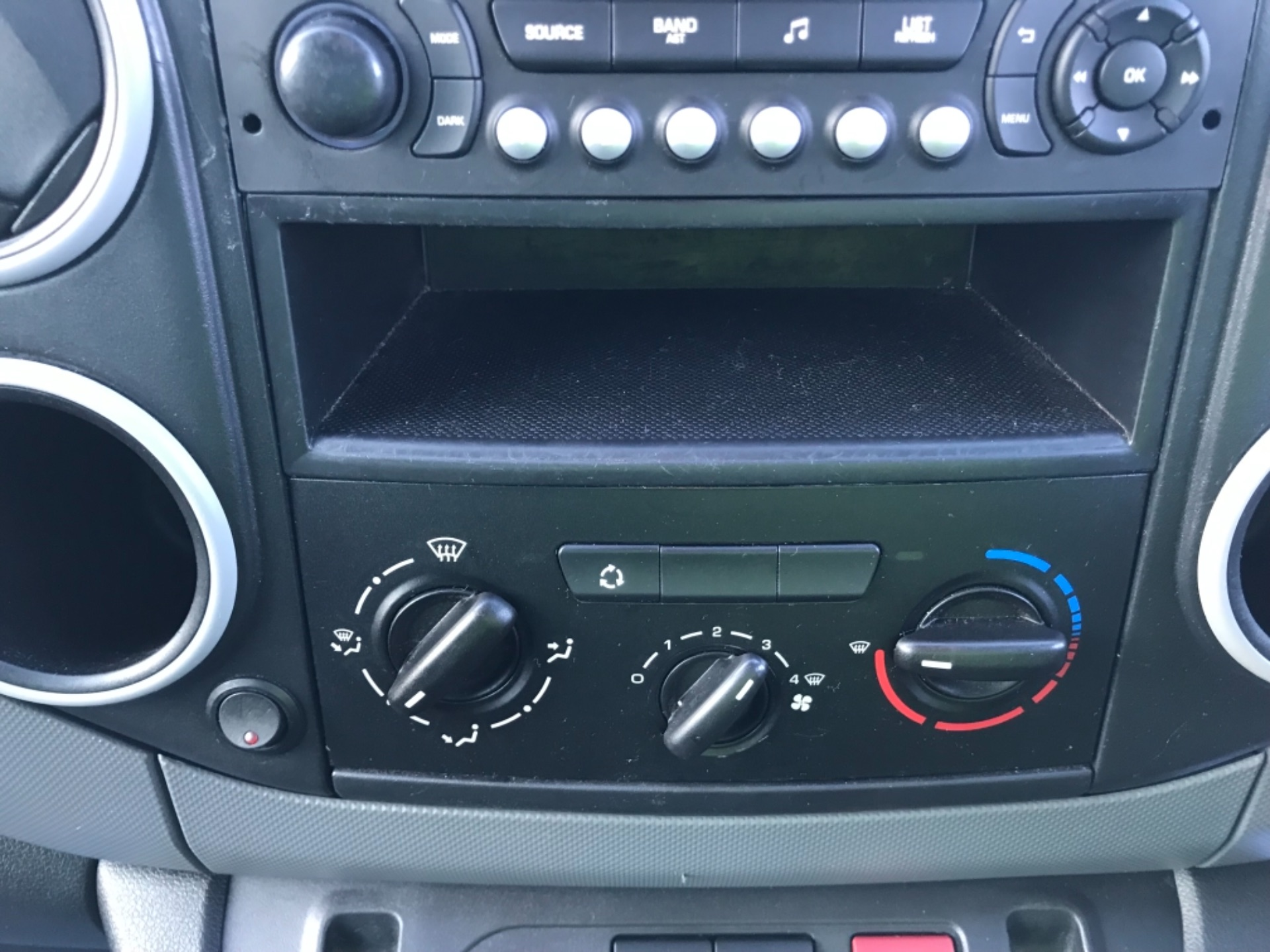 2014 Citroen Berlingo L1 Diesel 1.6 HDI 850 X 90PS [SLD] EURO 5 (BD64SUY) Image 12