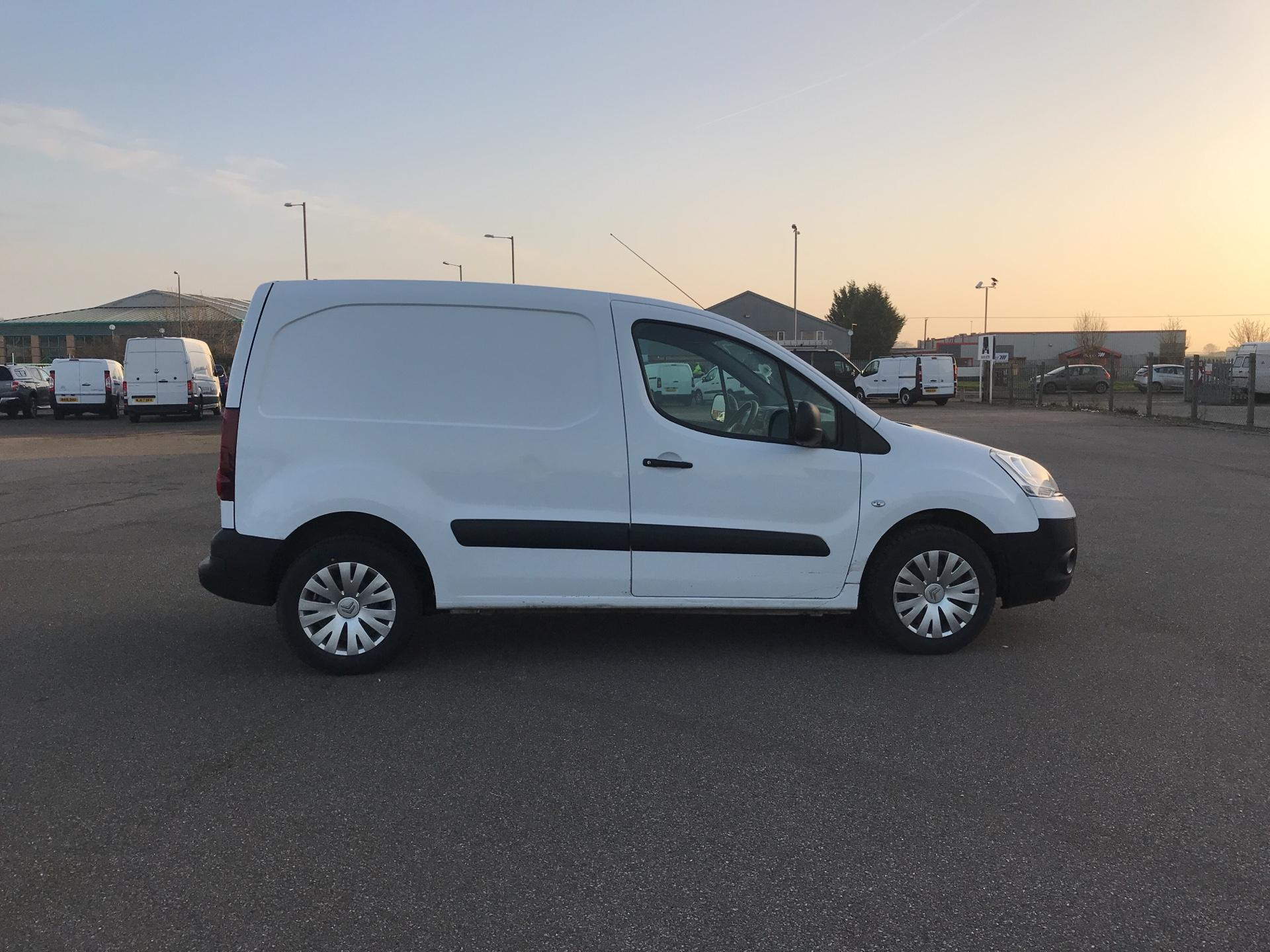 2014 Citroen Berlingo L1 DIESEL 1.6 HDI 625KG X 90PS (SLD) EURO 5. VALUE RANGE VEHICLE - CONDITION REFLECTED IN PRICE (BD64SVJ) Image 2