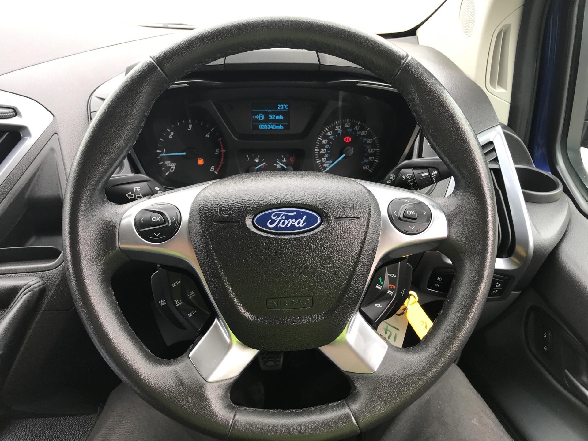 2016 Ford Transit Custom L1 2.2 Tdci 125Ps SWB  Low Roof Limited Van Euro 5 (BF16YPJ) Image 12