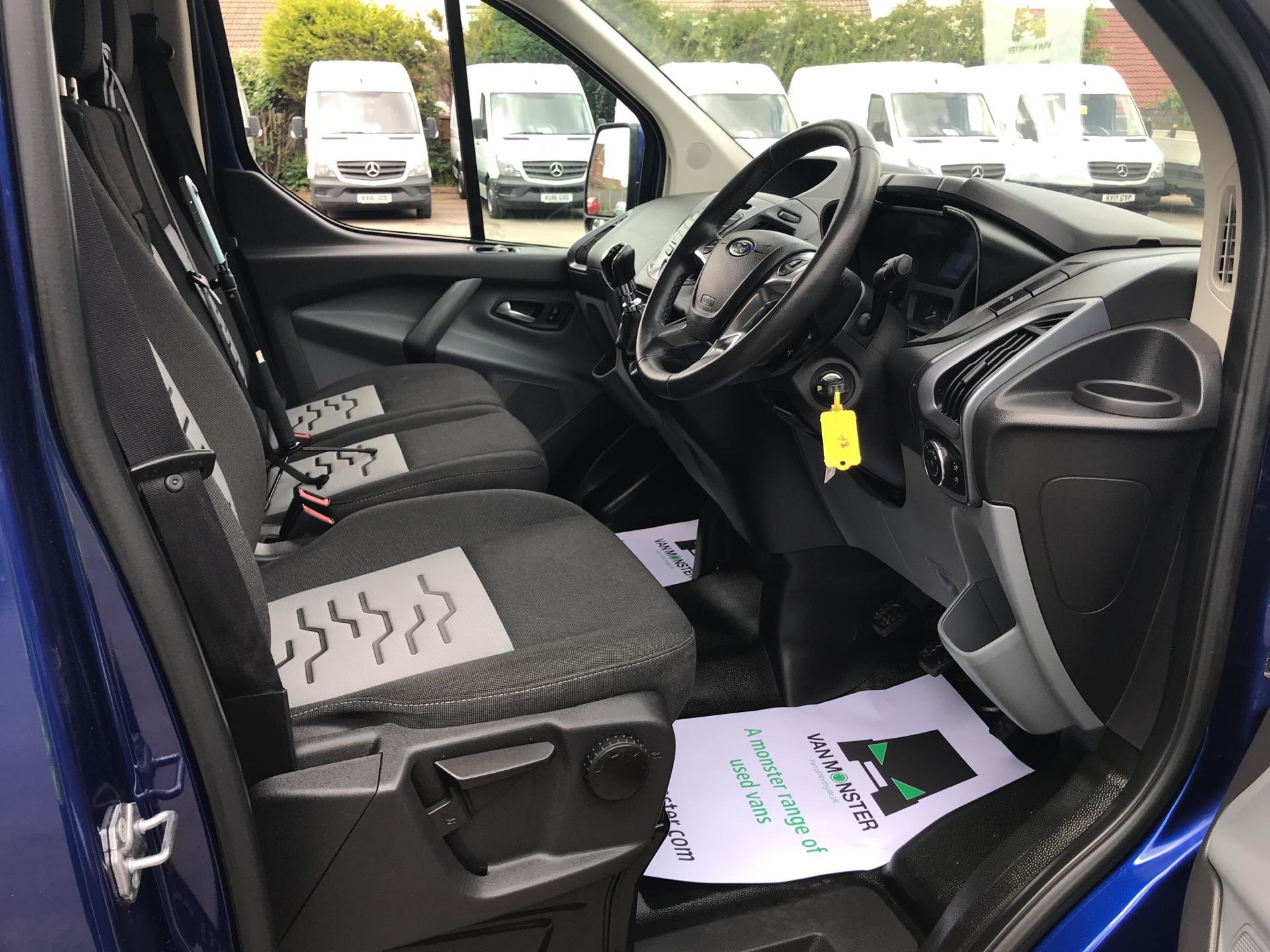 2016 Ford Transit Custom L1 2.2 Tdci 125Ps SWB  Low Roof Limited Van Euro 5 (BF16YPJ) Image 9