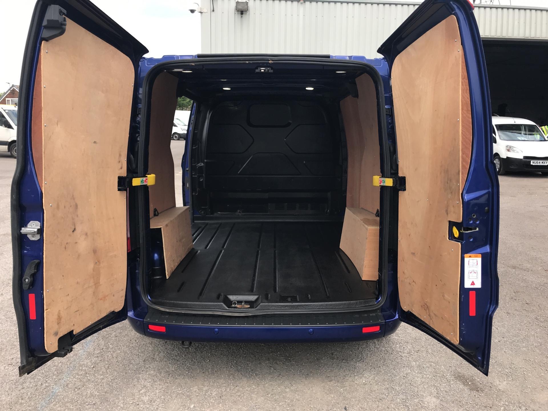2016 Ford Transit Custom L1 2.2 Tdci 125Ps SWB  Low Roof Limited Van Euro 5 (BF16YPJ) Image 16