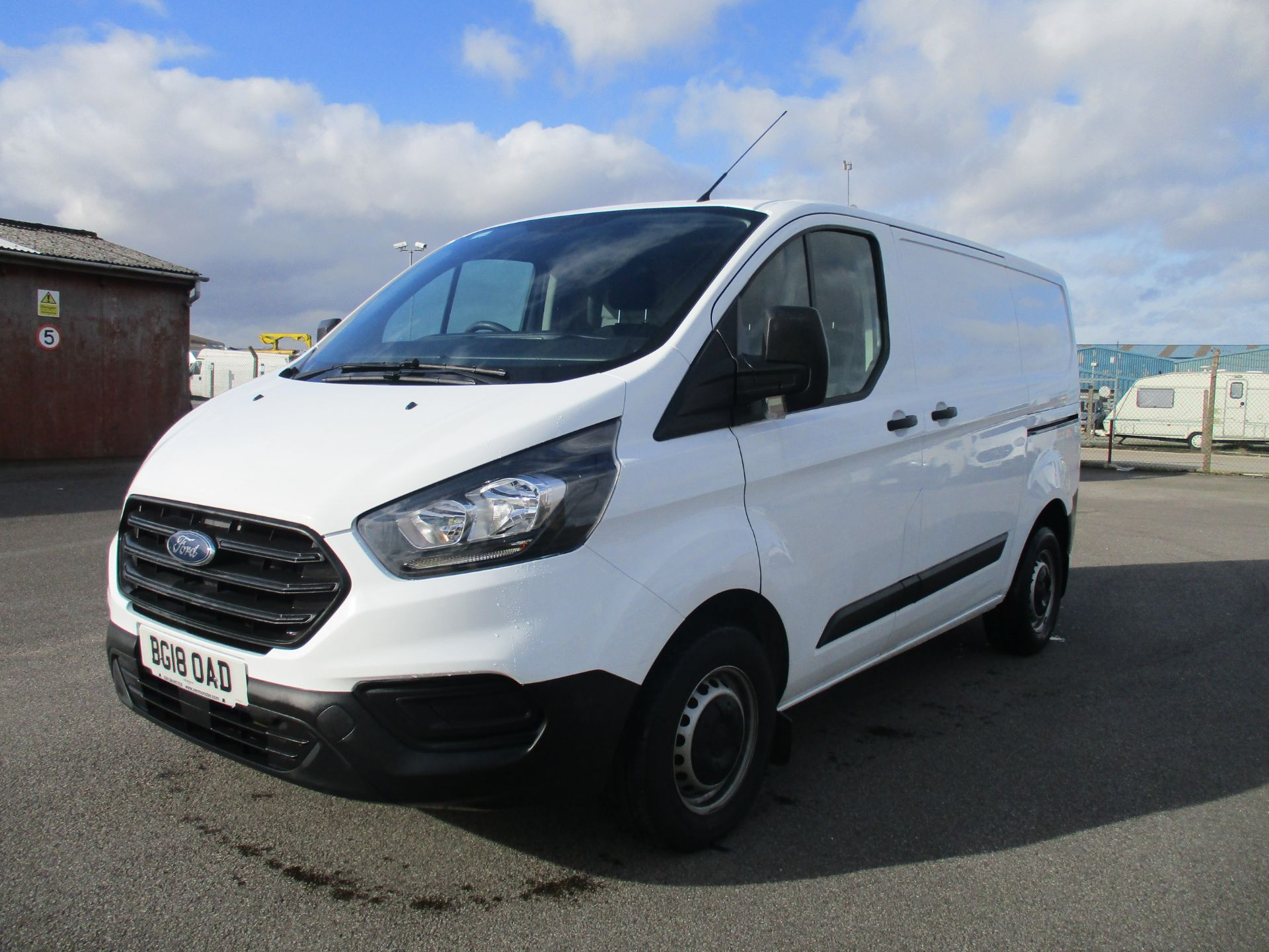 2018 Ford Transit Custom 300 L1 DIESEL FWD 2.0 TDCI 105PS LOW ROOF VAN EURO 6 (BG18OAD) Thumbnail 3