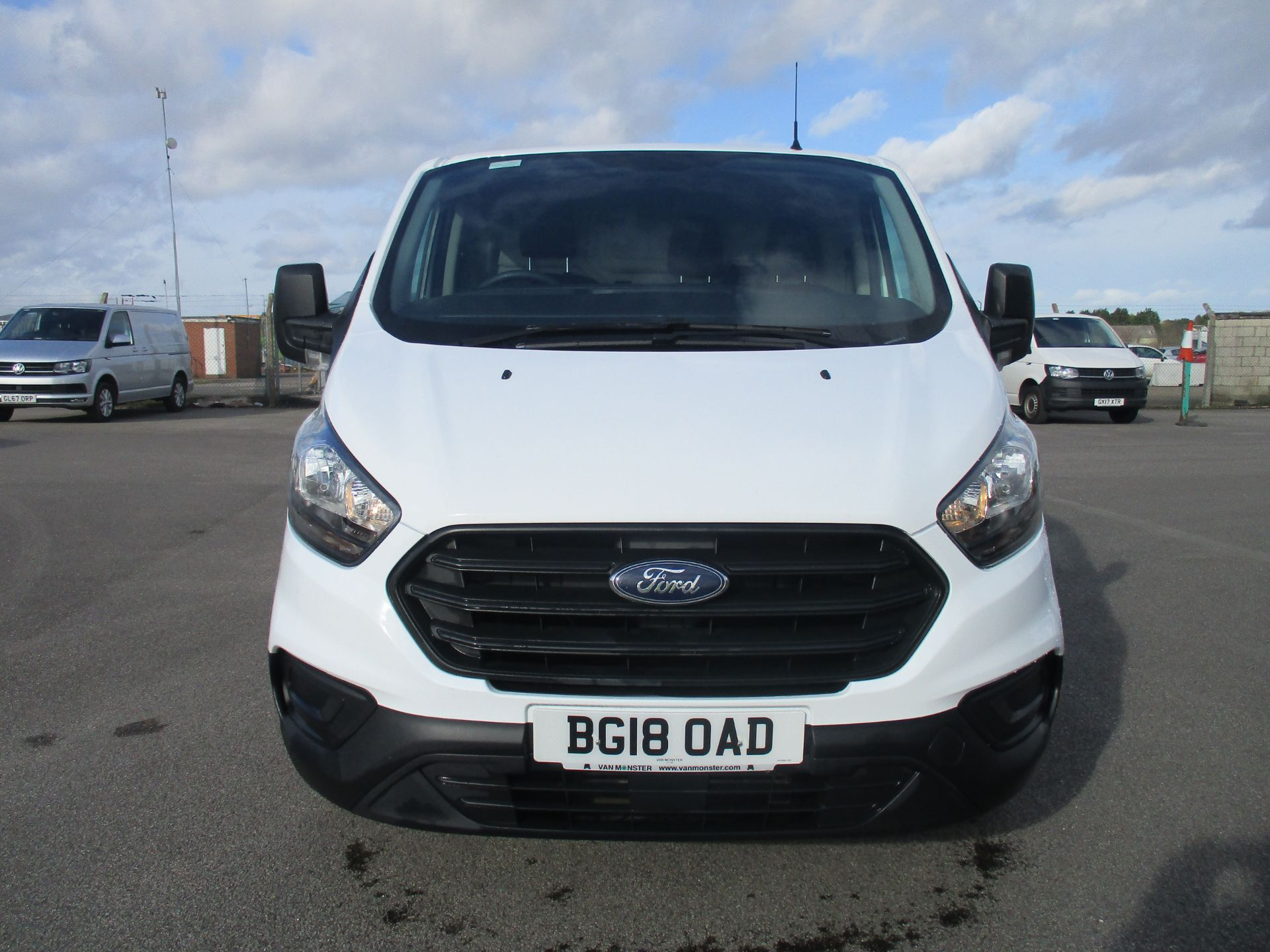 2018 Ford Transit Custom 300 L1 DIESEL FWD 2.0 TDCI 105PS LOW ROOF VAN EURO 6 (BG18OAD) Thumbnail 2