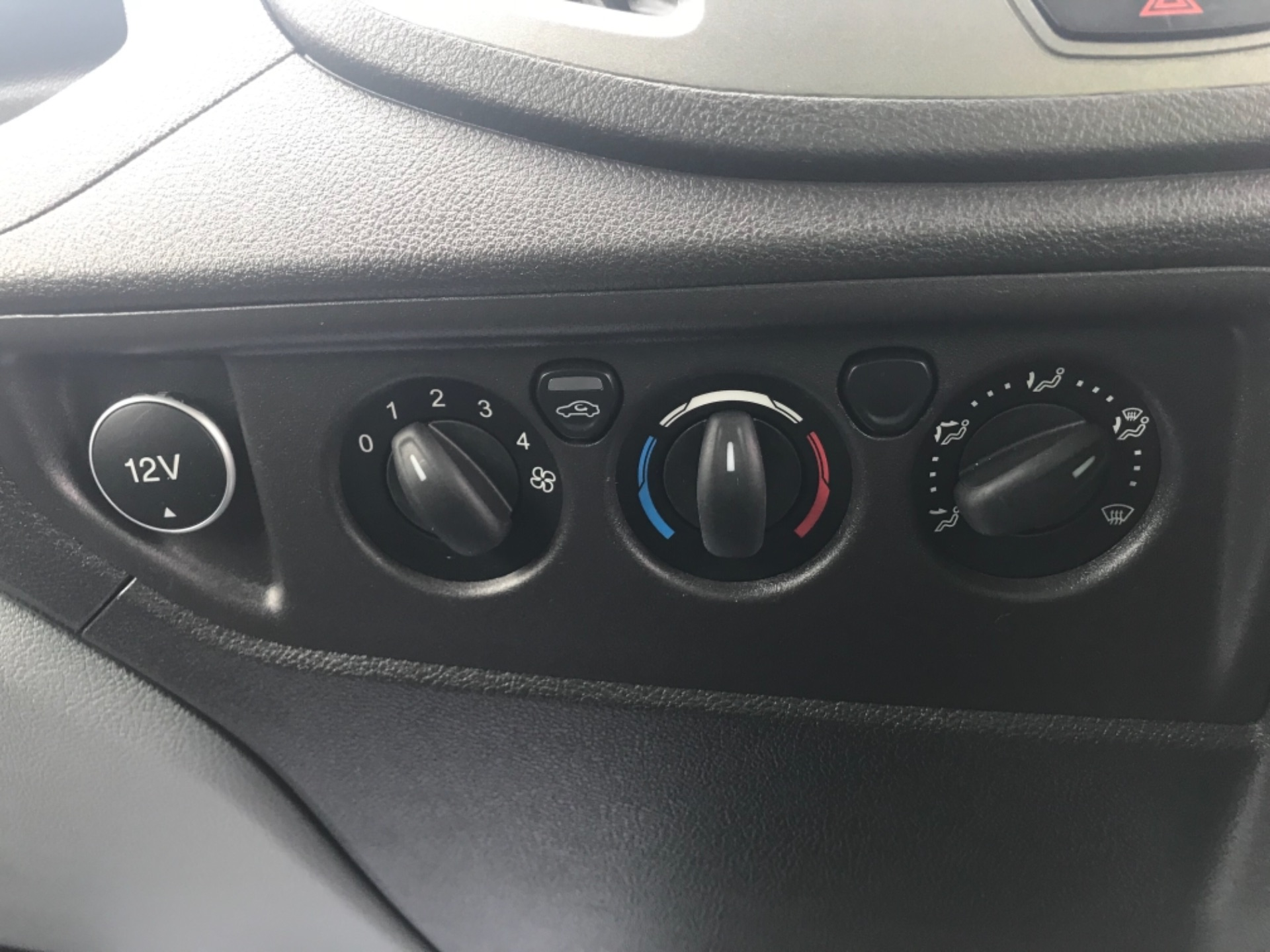 2018 Ford Transit L3 H3 VAN 130PS EURO 6 (BG68TGX) Image 12