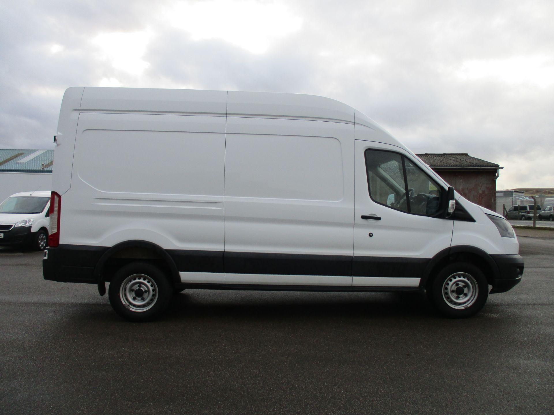 2018 Ford Transit 350 L3 H3 VAN 130PS EURO 6 (BG68TXN) Image 4