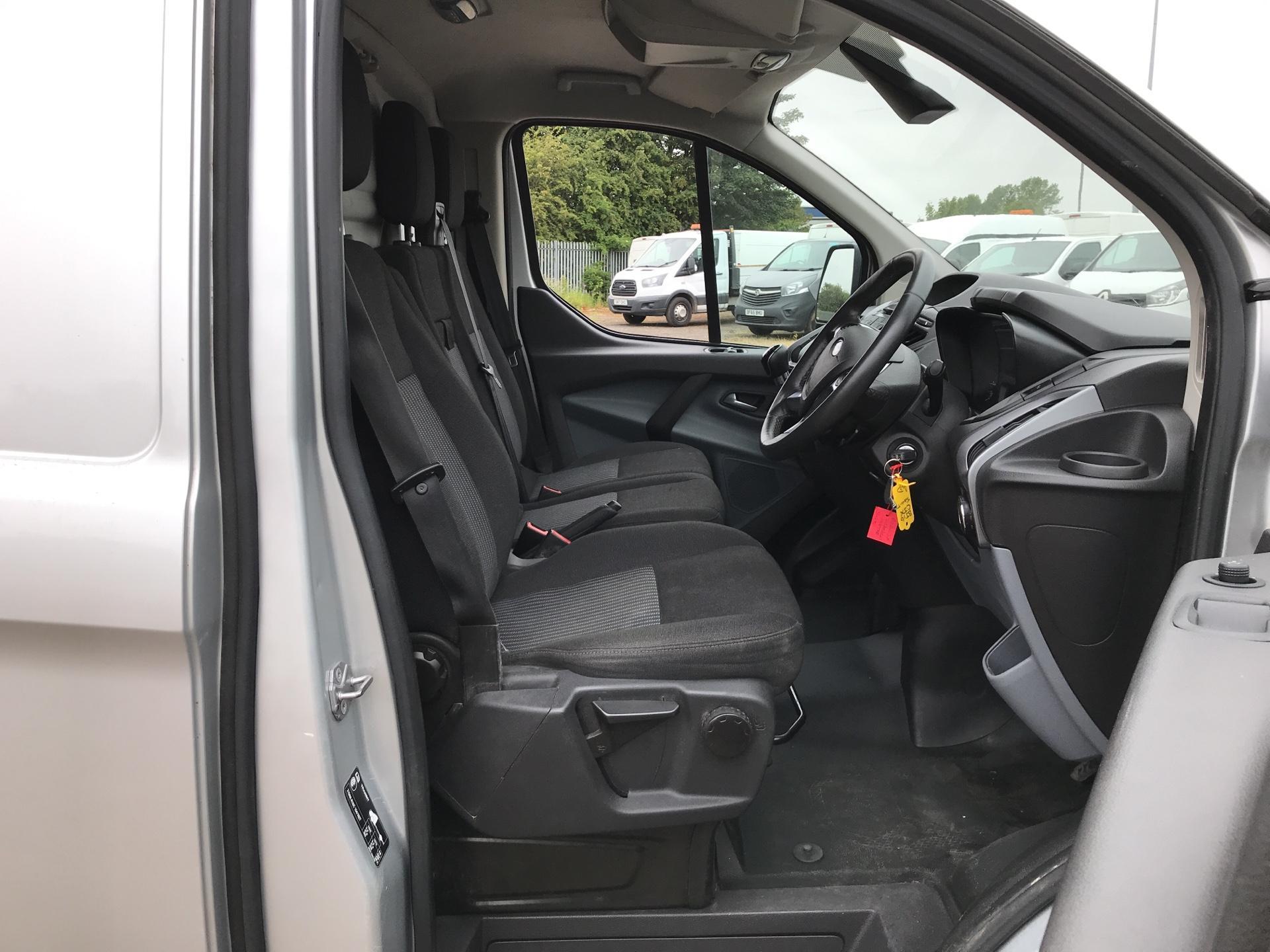 2016 Ford Transit Custom 290 L1 DIESEL FWD 2.2 Tdci 100Ps Low Roof Trend Van EURO 5 (BJ16CJX) Image 9