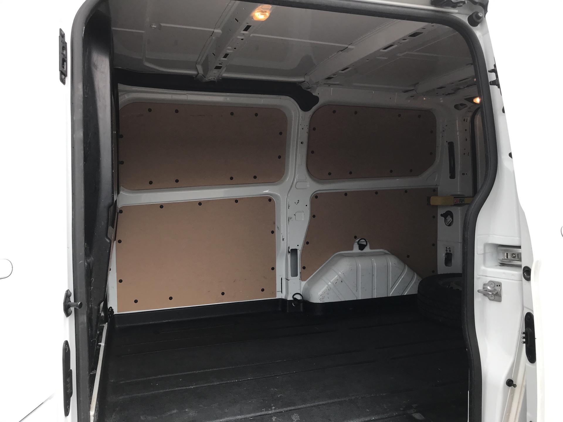 2016 Ford Transit Custom 290 L1 DIESEL FWD 2.2 TDCI 125PS LOW ROOF LIMITED VAN EURO 5 (BJ16CNA) Image 18