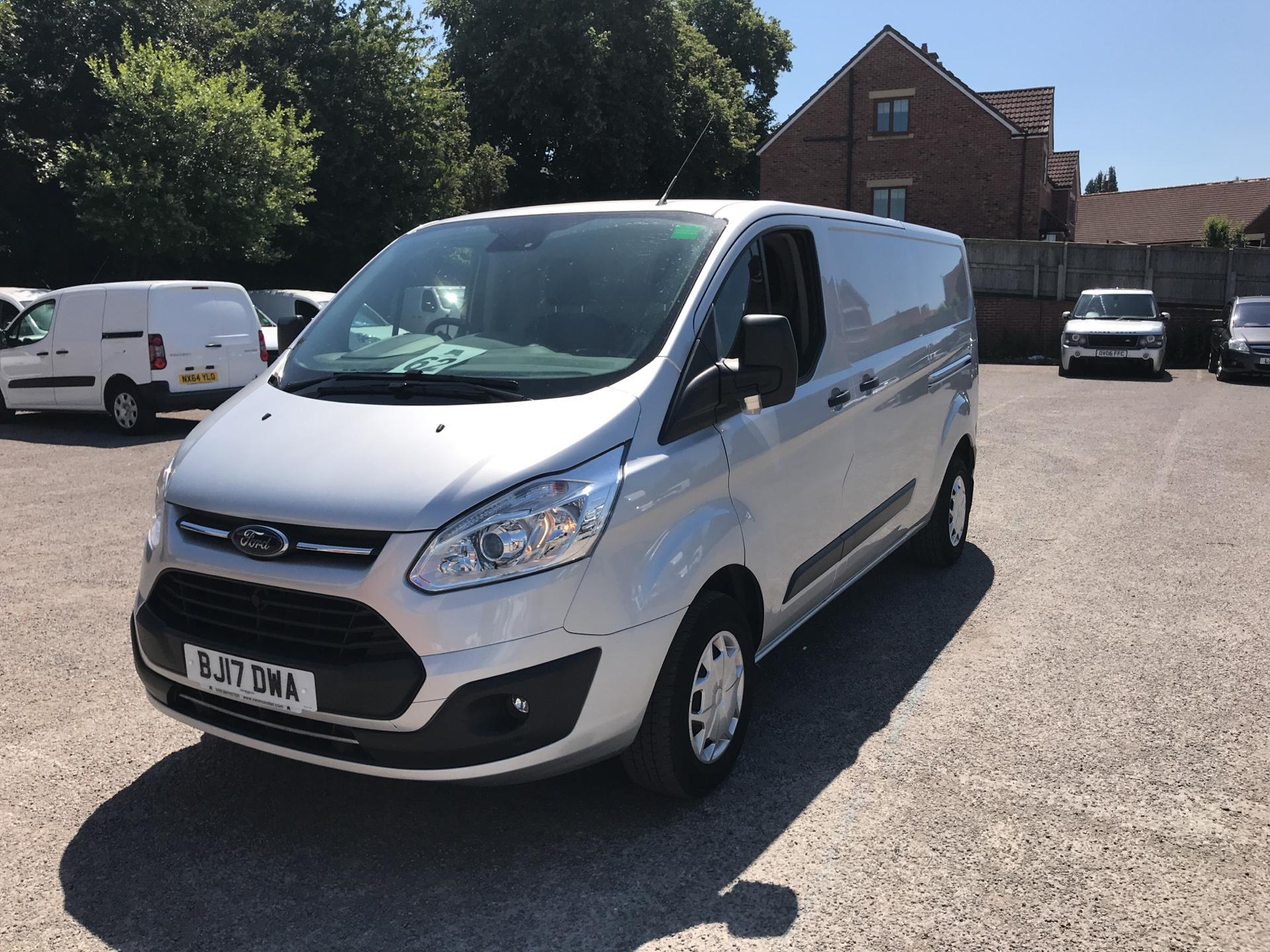 2017 Ford Transit Custom L2 H1 2.0 Tdci 130Ps Low Roof Trend Van (BJ17DWA) Image 7