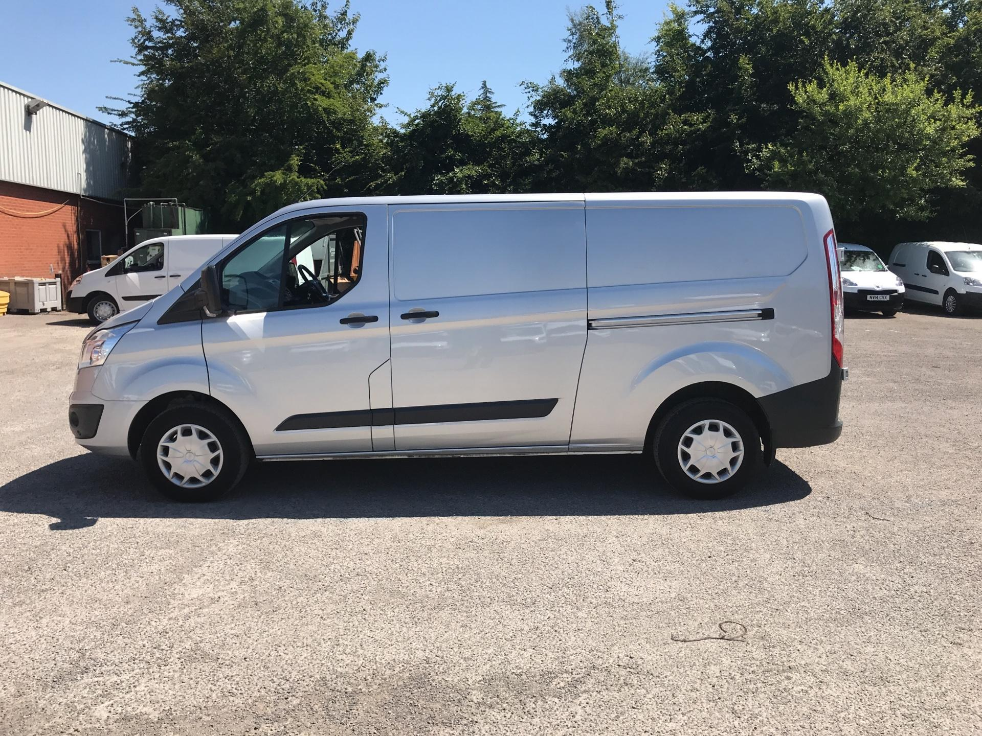 2017 Ford Transit Custom L2 H1 2.0 Tdci 130Ps Low Roof Trend Van (BJ17DWA) Image 6