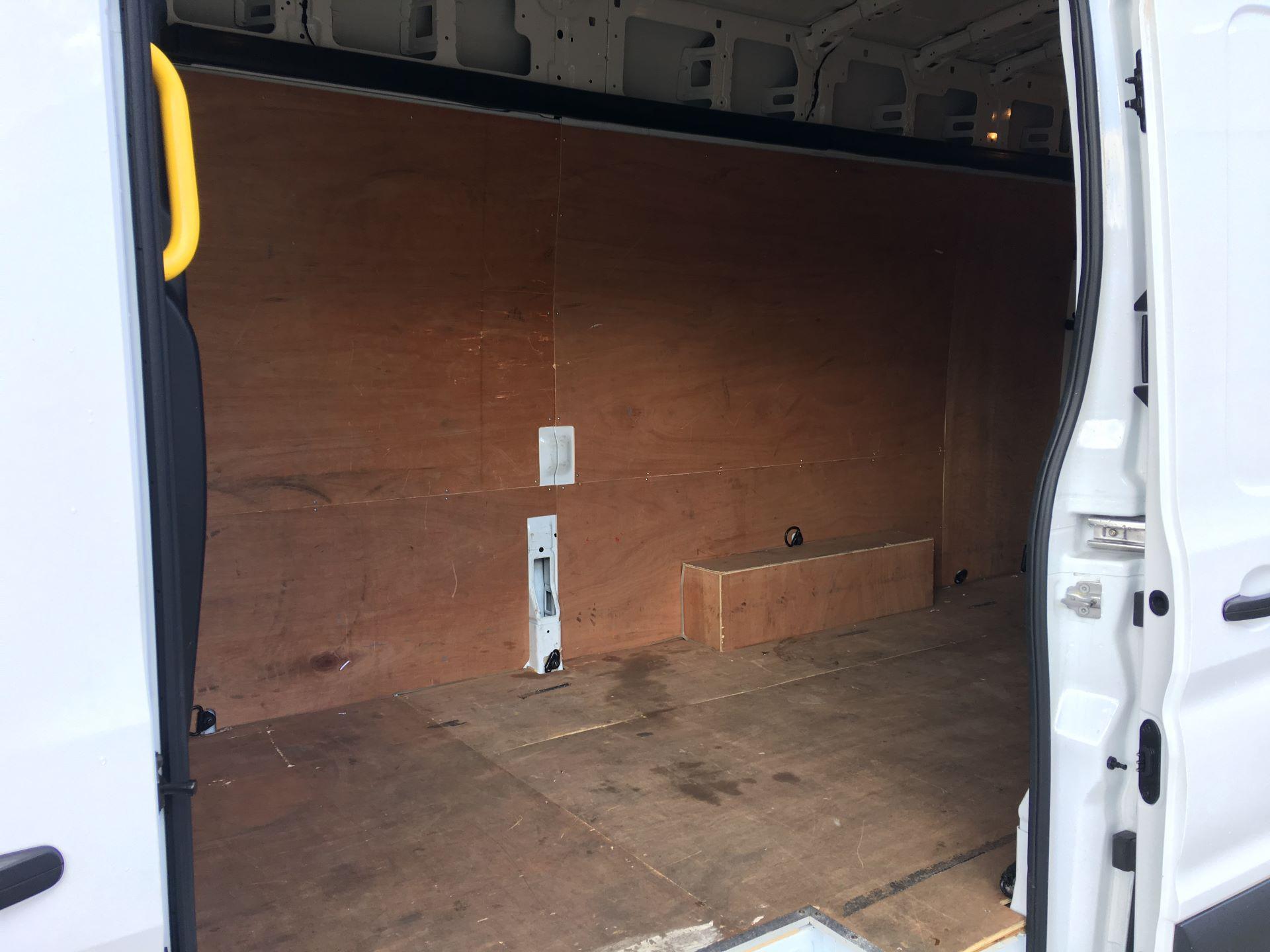 2017 Ford Transit 350 L4 H3 VAN 130PS EURO 6 JUMBO (BJ67AZC) Image 19