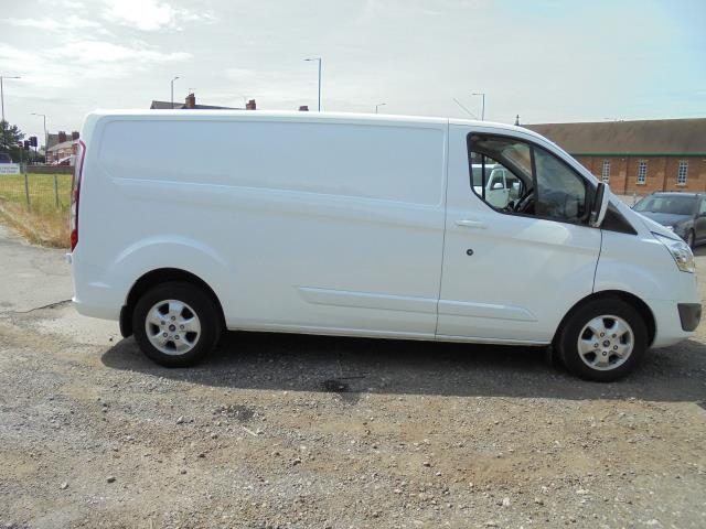 2016 Ford Transit Custom 2.2 Tdci 125Ps Low Roof Limited Van (BK16XRY) Image 15