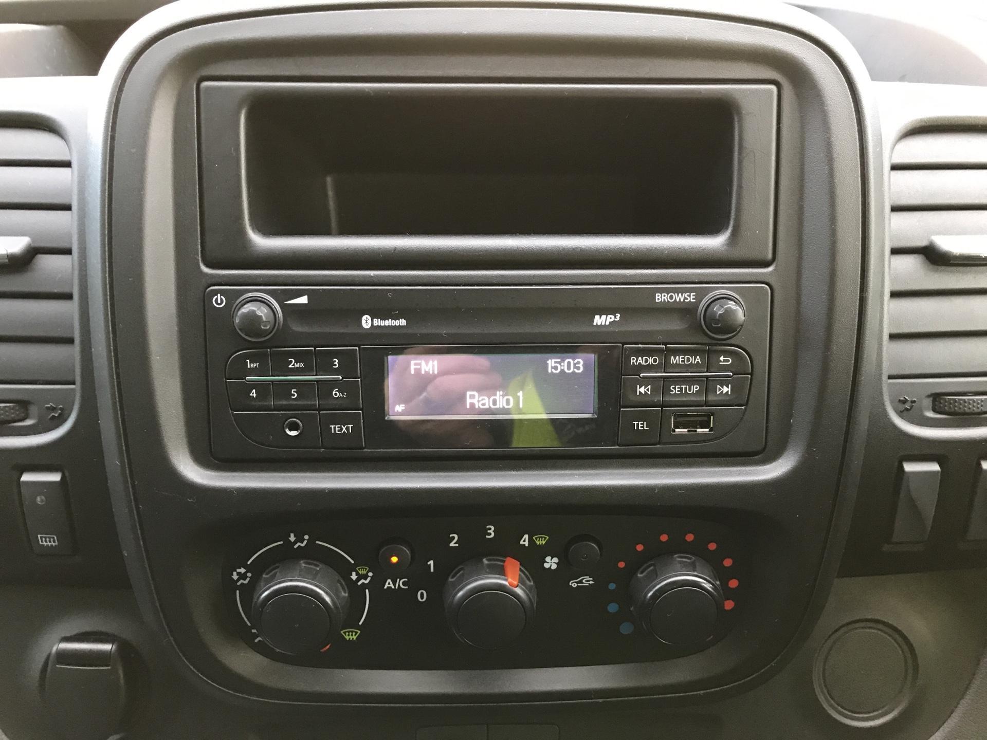 2017 Vauxhall Vivaro L2 H1 2900 1.6 CDTI 95PS EURO 6 (VALUE RANGE VEHICLE - CONDITION REFLECTED IN PRICE) (BK17OJZ) Image 10