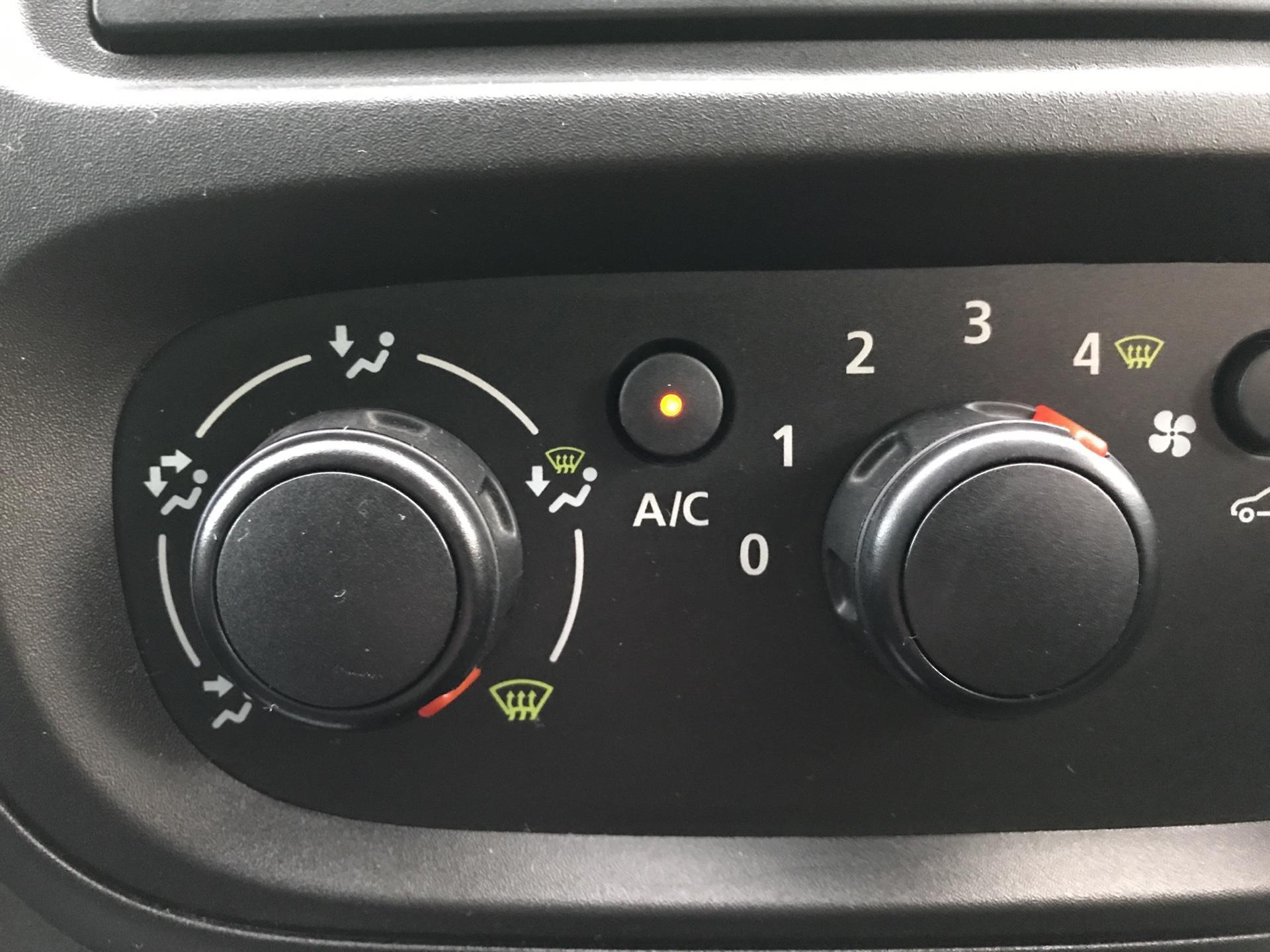2017 Vauxhall Vivaro L2 H1 2900 1.6 CDTI 95PS EURO 6 (VALUE RANGE VEHICLE - CONDITION REFLECTED IN PRICE) (BK17OJZ) Image 15