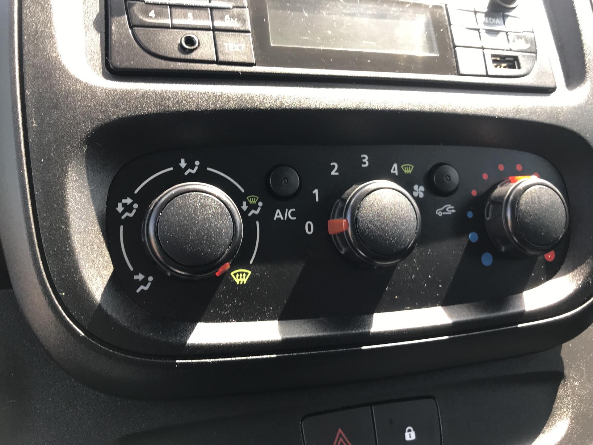 2017 Vauxhall Vivaro L2 H1 2900 1.6 95PS EURO 6 (BK17ONM) Image 16