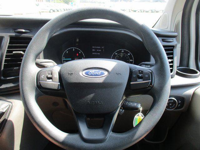 2018 Ford Transit Custom 300 L1 DIESEL FWD 2.0 TDCI 105PS LOW ROOF VAN EURO 6. AIR CON (BK18GWZ) Image 16
