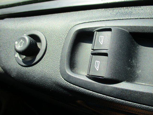 2018 Ford Transit Custom 300 L1 DIESEL FWD 2.0 TDCI 105PS LOW ROOF VAN EURO 6. AIR CON (BK18GWZ) Image 19