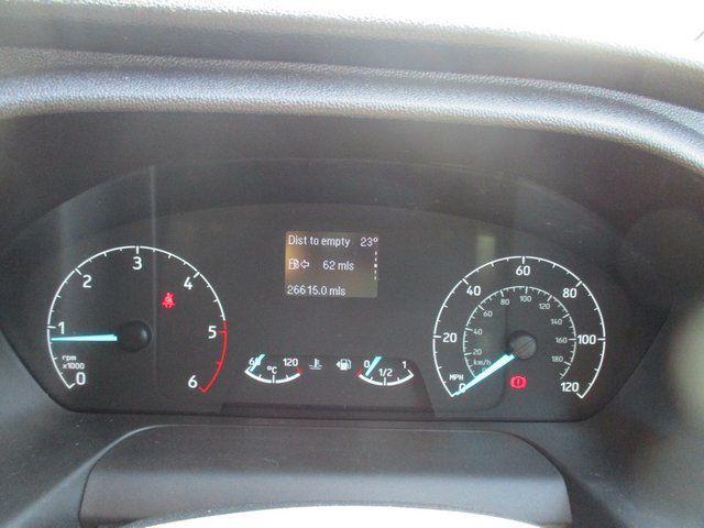 2018 Ford Transit Custom 300 L1 DIESEL FWD 2.0 TDCI 105PS LOW ROOF VAN EURO 6. AIR CON (BK18GWZ) Image 17