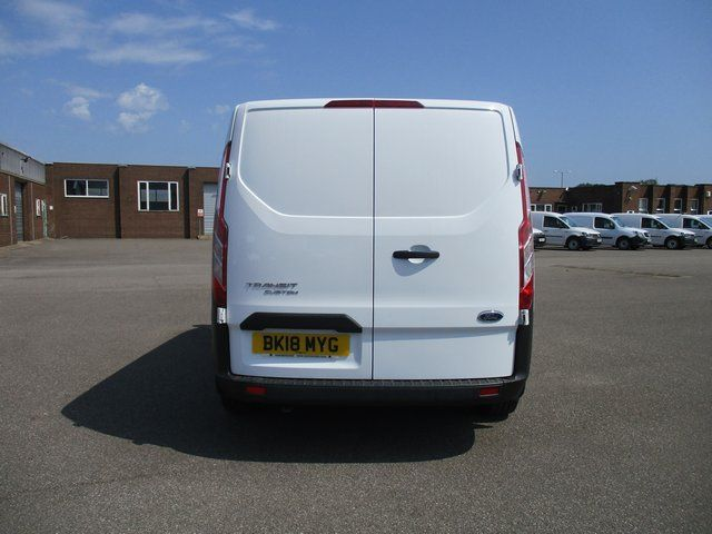 2018 Ford Transit Custom 300 L1 DIESEL FWD 2.0 TDCI 105PS LOW ROOF VAN EURO 6. AIR CON (BK18MYG) Image 5