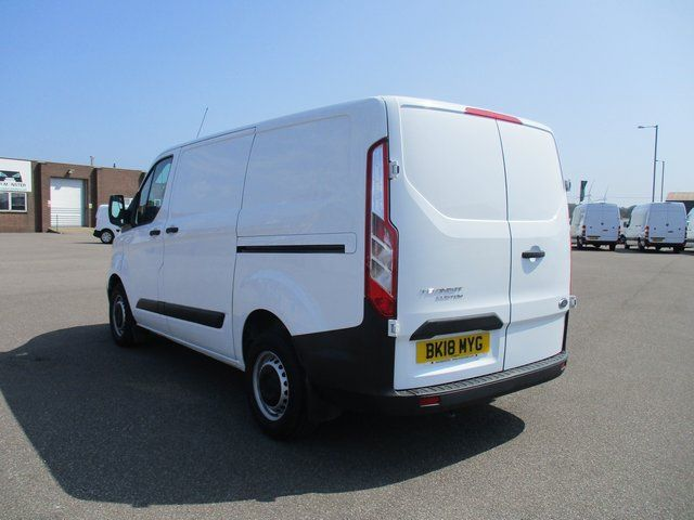 2018 Ford Transit Custom 300 L1 DIESEL FWD 2.0 TDCI 105PS LOW ROOF VAN EURO 6. AIR CON (BK18MYG) Image 7