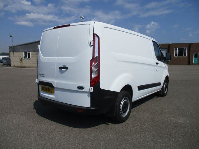 2018 Ford Transit Custom 300 L1 DIESEL FWD 2.0 TDCI 105PS LOW ROOF VAN EURO 6. AIR CON (BK18MYG) Image 3