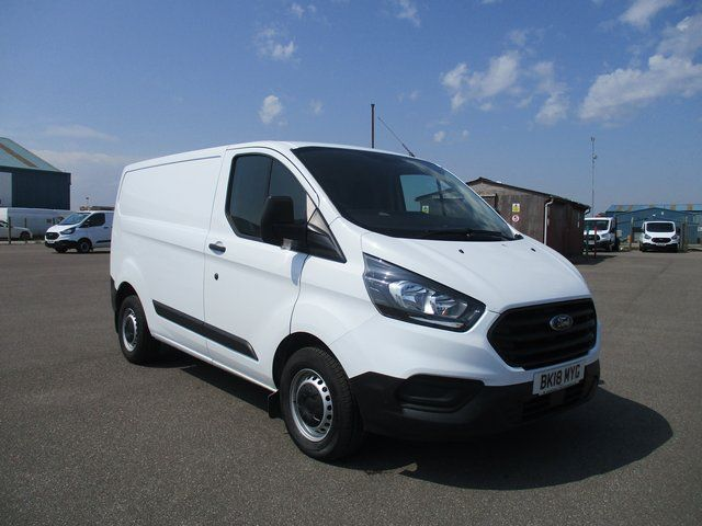 2018 Ford Transit Custom 300 L1 DIESEL FWD 2.0 TDCI 105PS LOW ROOF VAN EURO 6. AIR CON (BK18MYG) Image 1